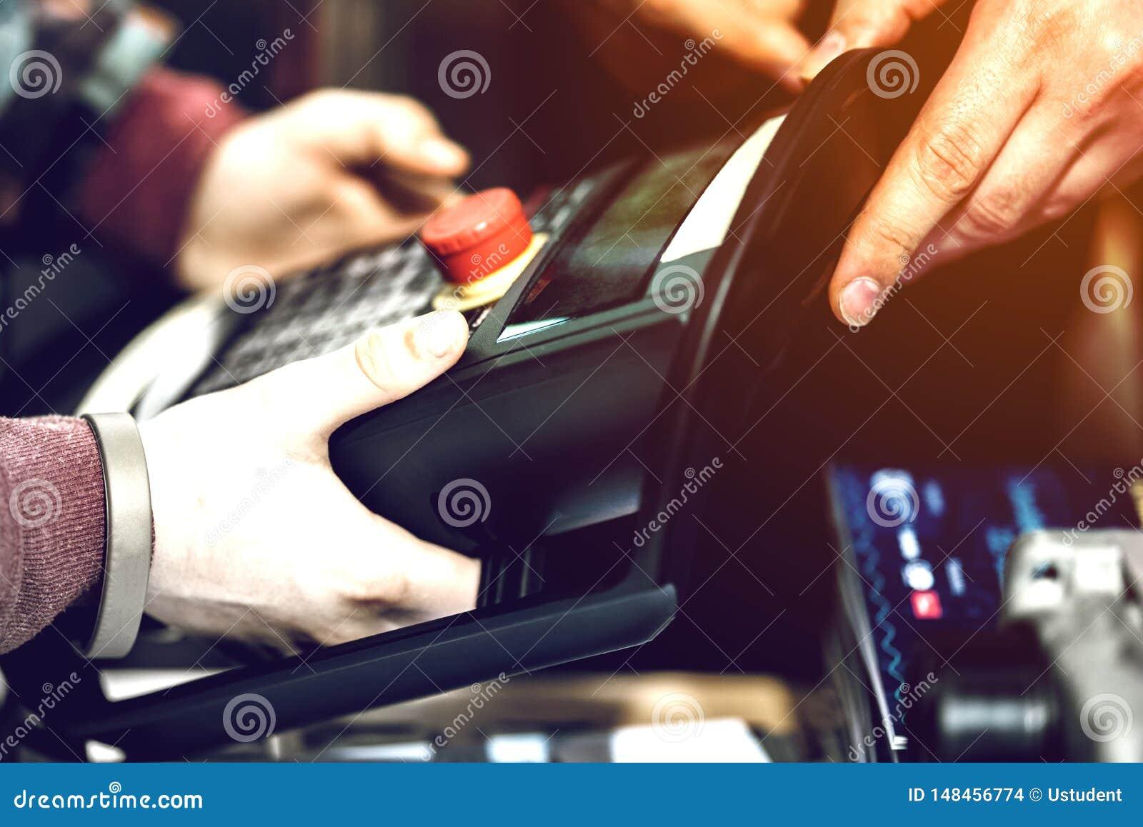 Elektronisches Basissteuerpult