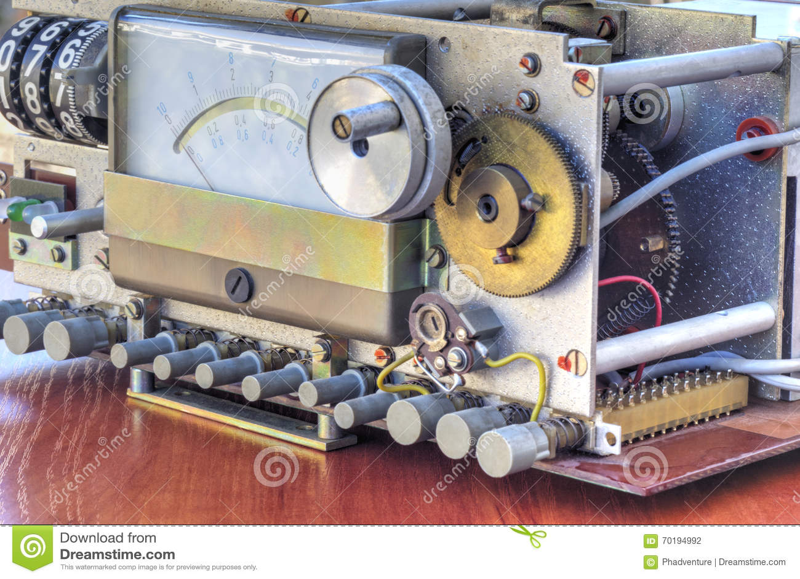 Elektronisk apparat med att mäta våg