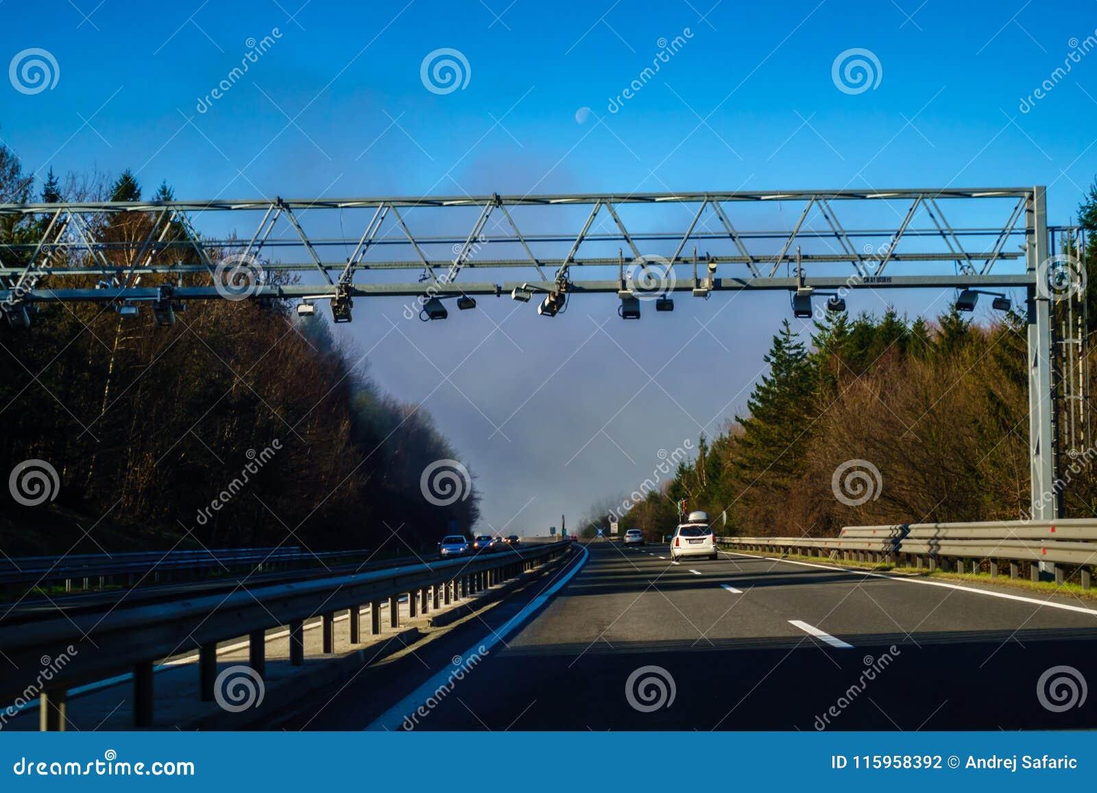 Elektroniskt avgiftsystem på huvudvägen i Slovenien, huvudväg A1