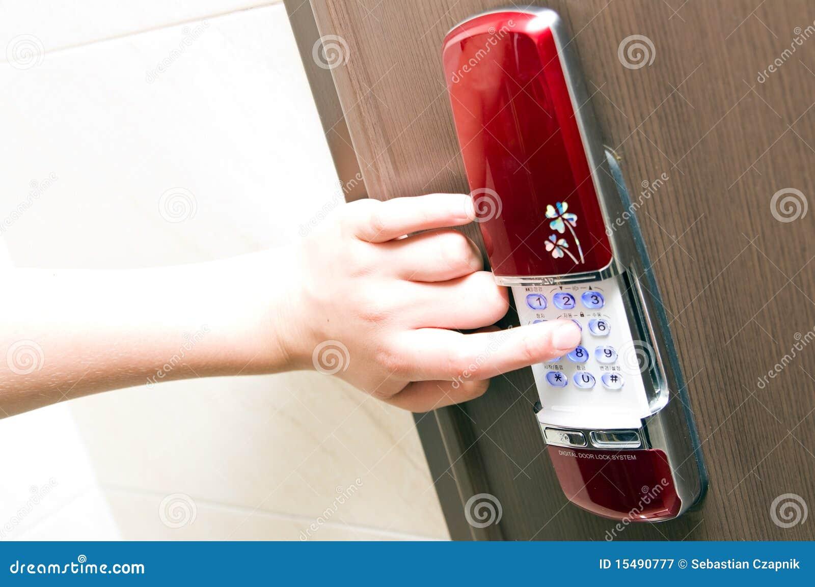 Elektroniskt lås för dörr