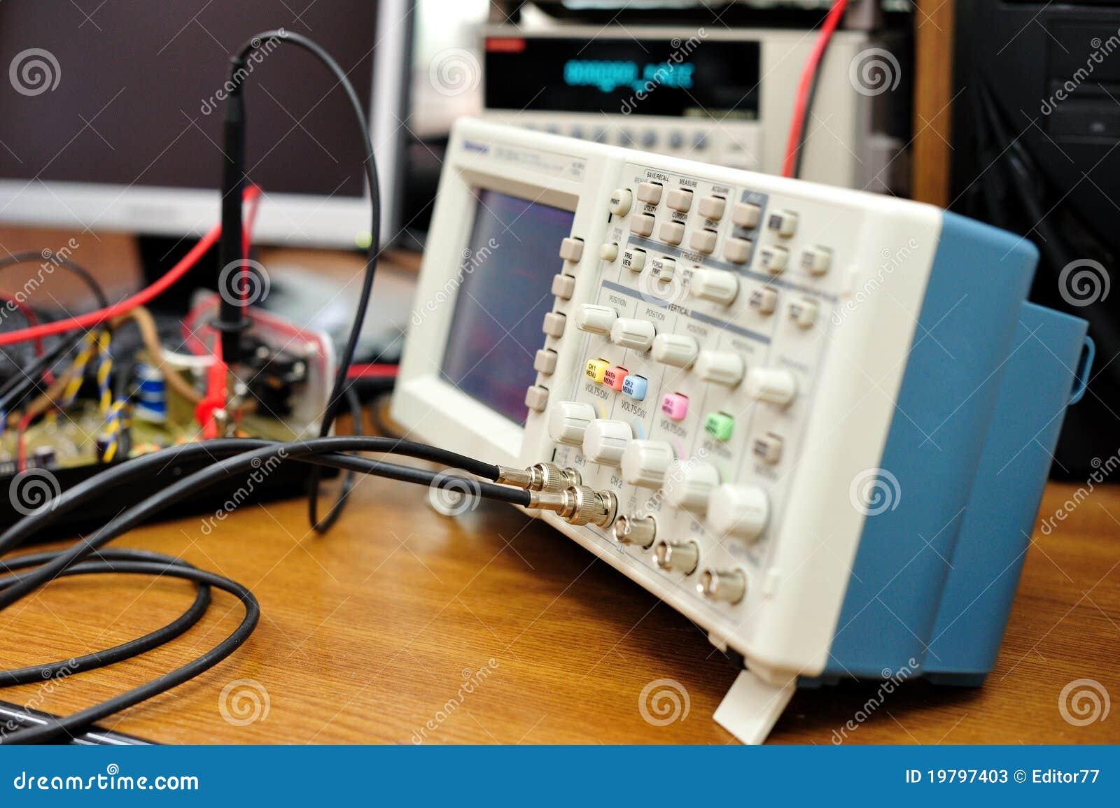 Elektroniskt oscilloskop för apparat