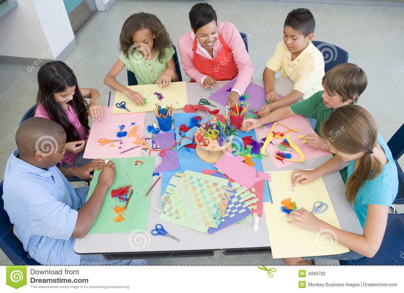 Art Lessons : Elementary school art lesson stock photography image
