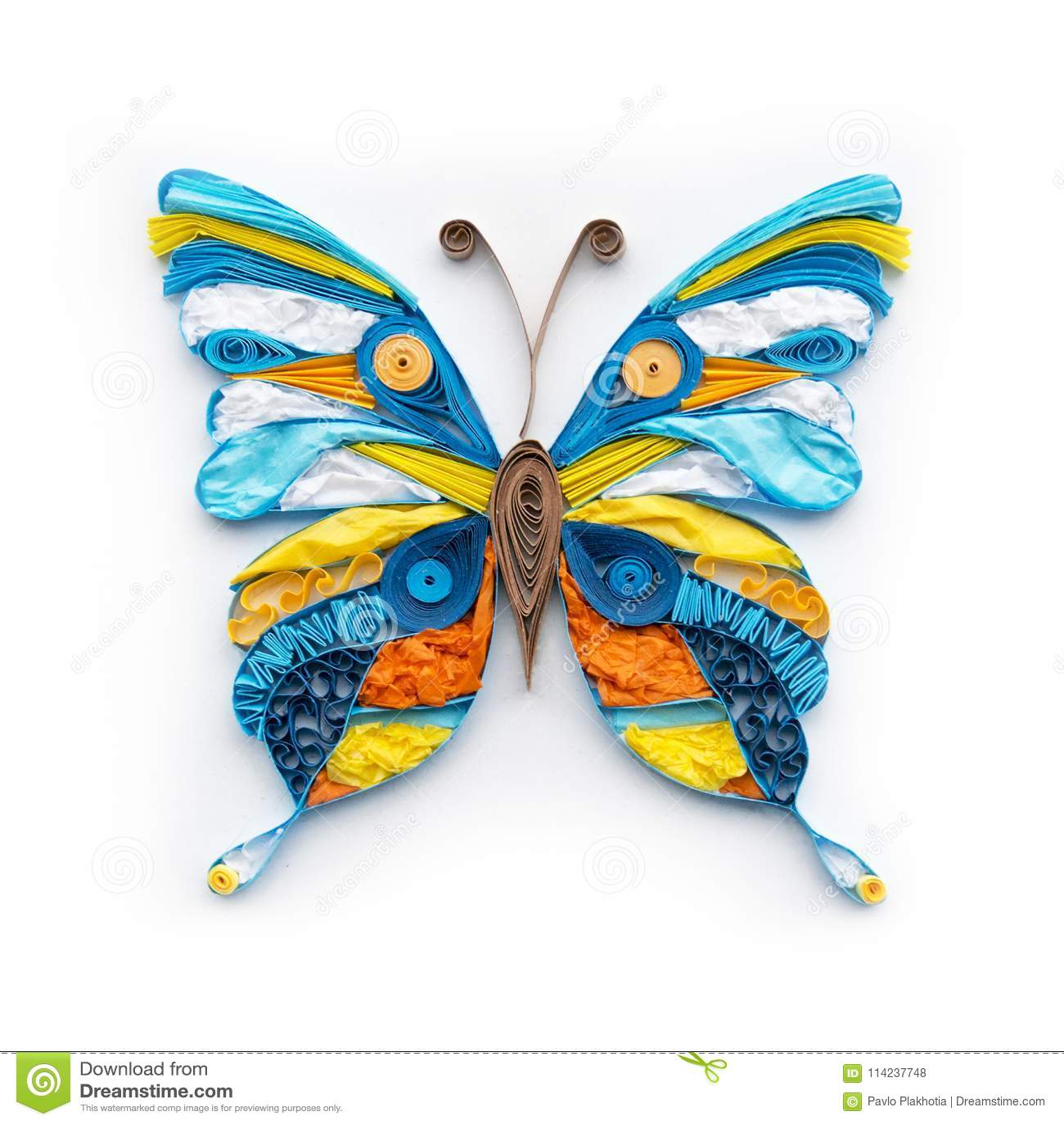 Elemento variopinto quilling sveglio della farfalla su fondo bianco Decorazione della carta fatta a mano