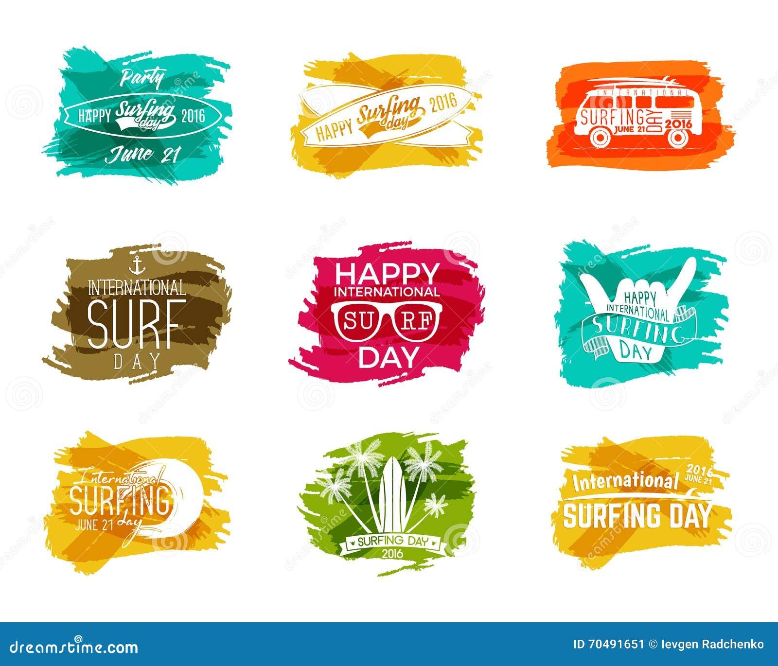 Elementos surfando do gráfico do dia do verão Emblemas da tipografia das férias do vetor ajustados Partido com símbolos da ressac