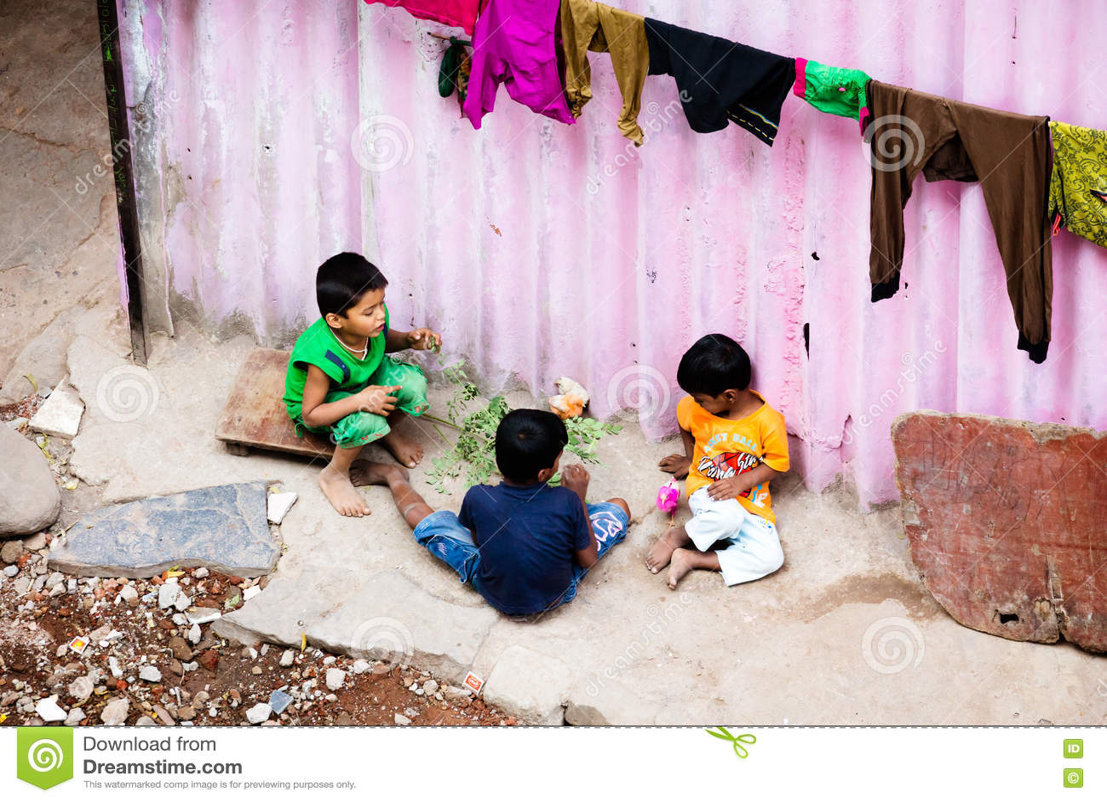 Elendsviertel-Kinderspielen