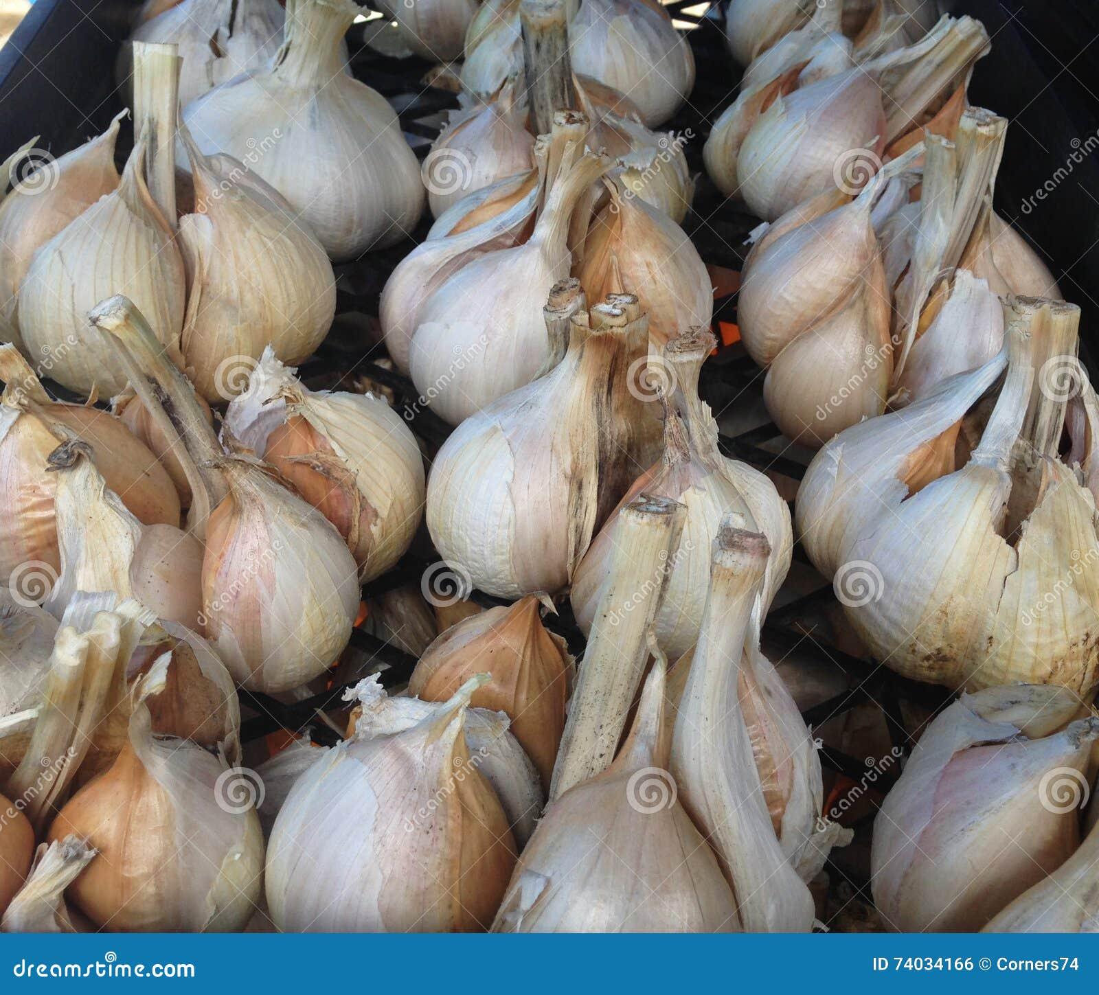 Elephant garlic cloves at a farmers market