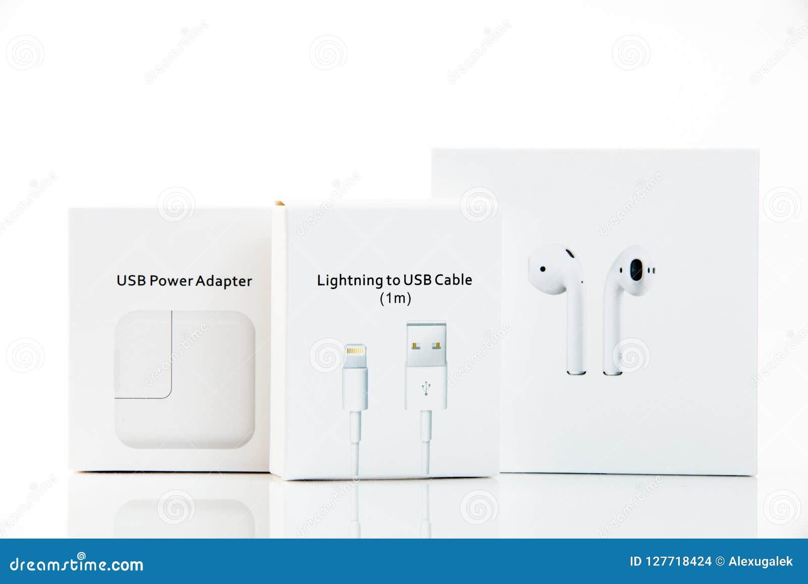 Eletrônica Adaptador do poder de USB, cabo de USB, fones de ouvido sem fio em umas caixas
