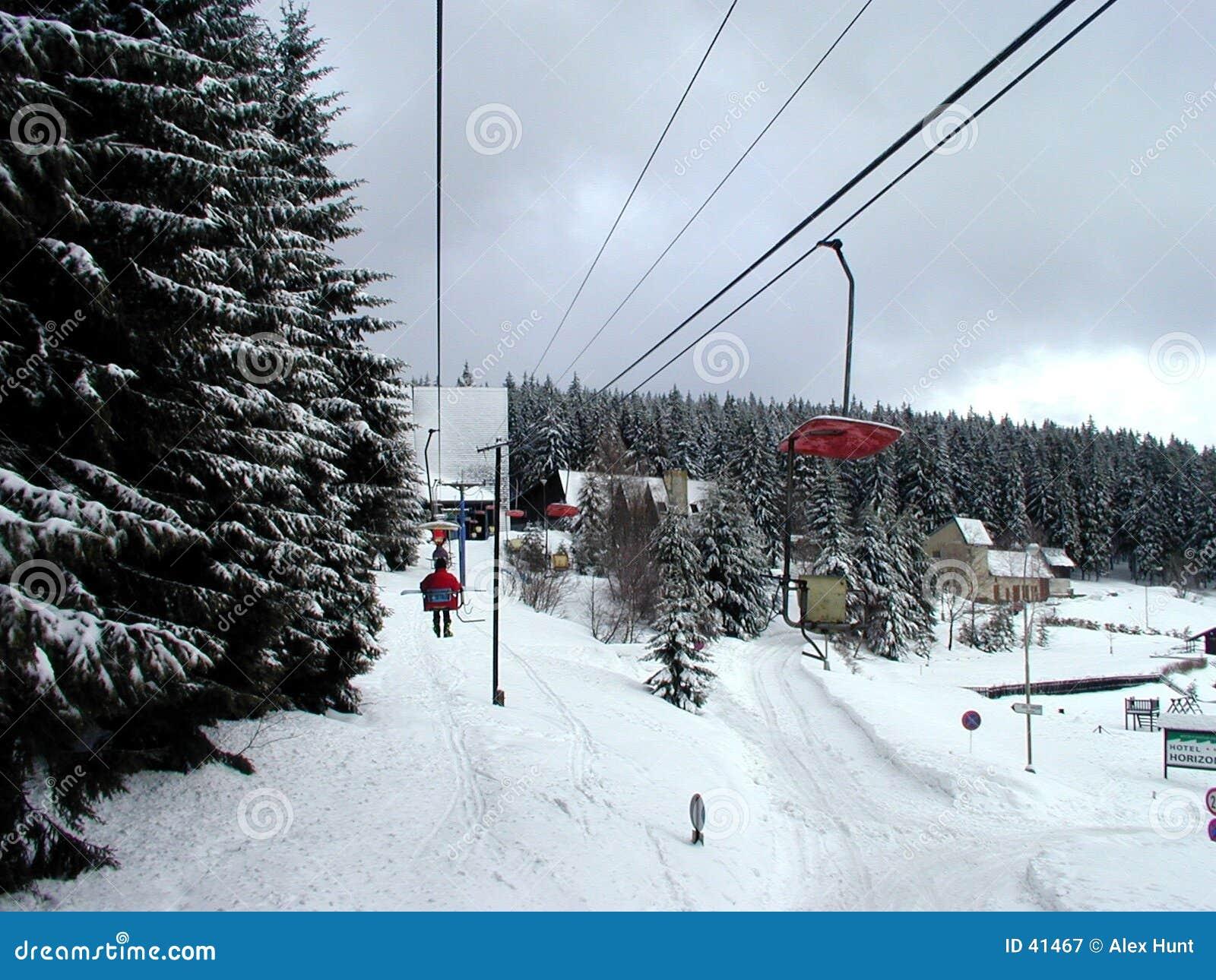 Download Elevación de esquí imagen de archivo. Imagen de camino, árboles - 41467
