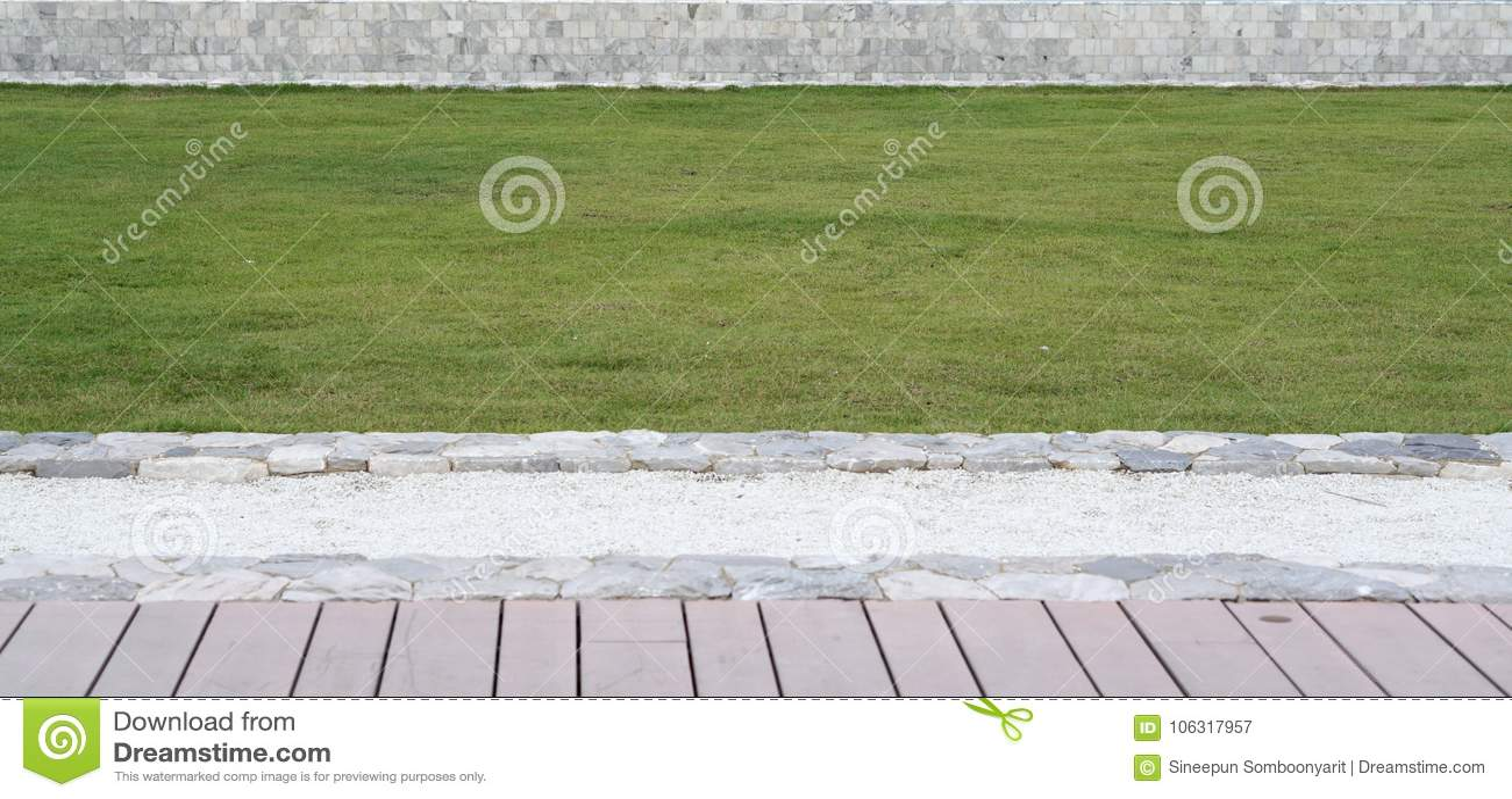 Elevación De La Terraza De La Madera Del Césped De La