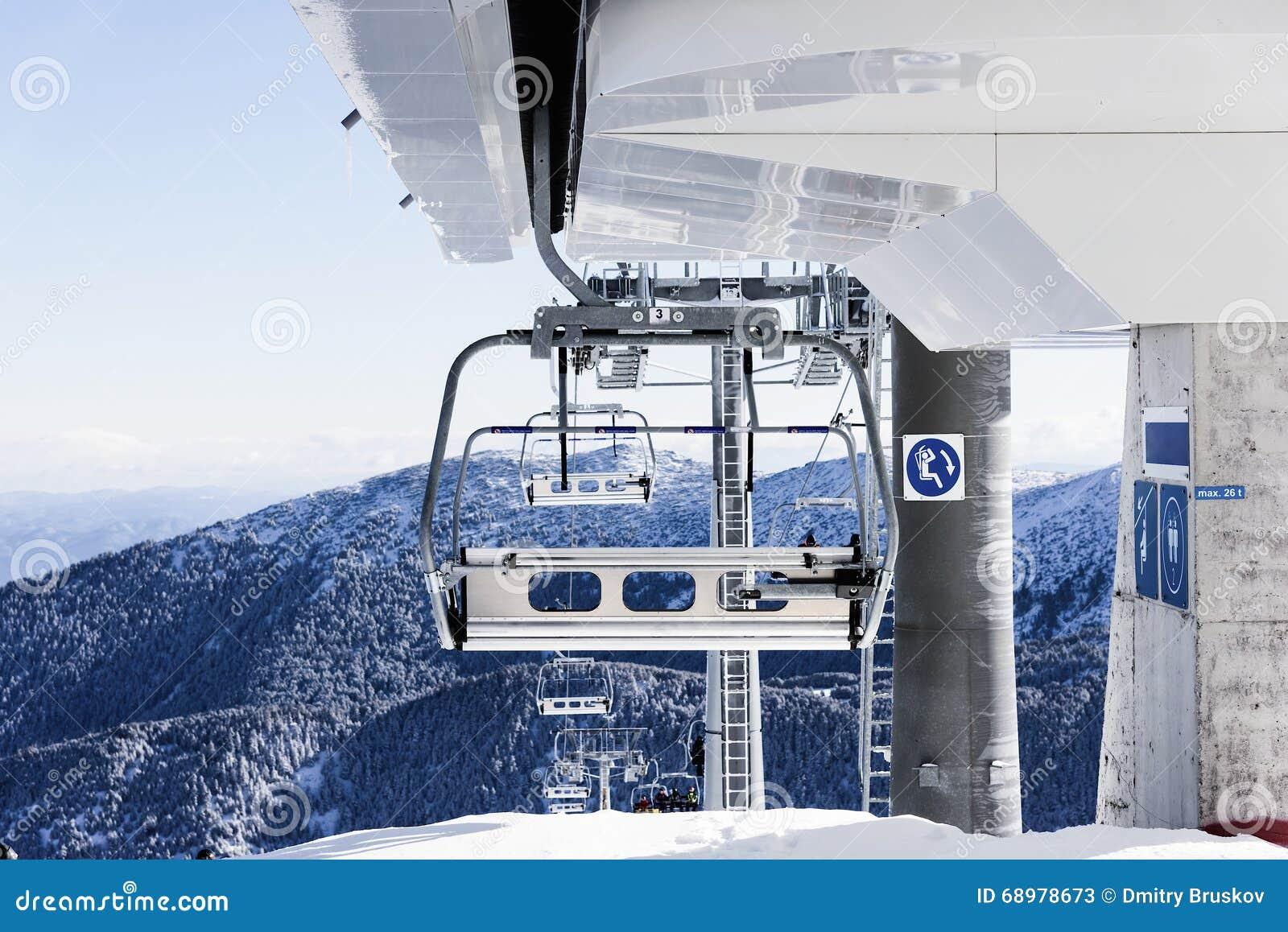Elevación de silla para esquiar