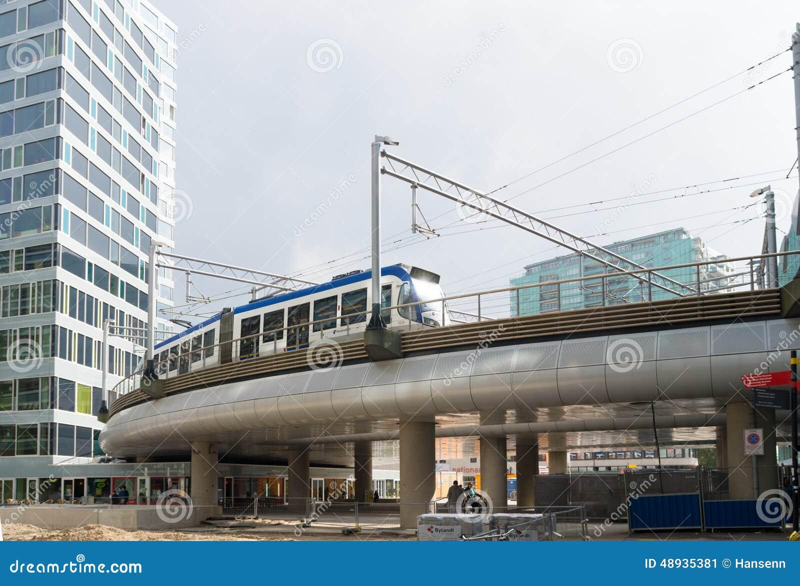 elevated-railway-tram-hague-netherlands-48935381.jpg