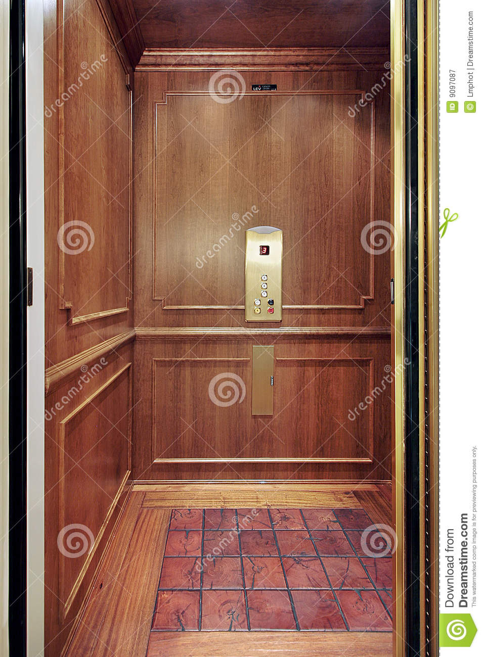 Elevator in luxury home royalty free stock photography for Luxury home elevators