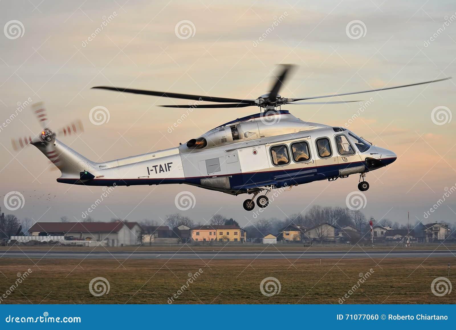 Elicottero Usato : Elicottero agusta westland aw 139 di fiat immagine editoriale