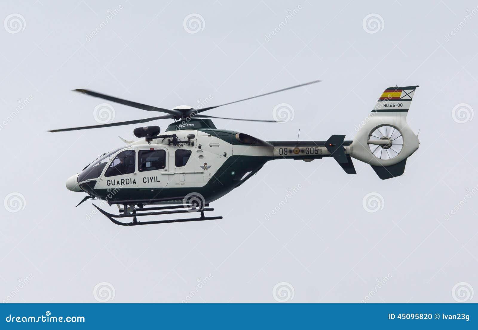 Elicottero 450 : Elicottero civile di guardia dello spagnolo immagine editoriale