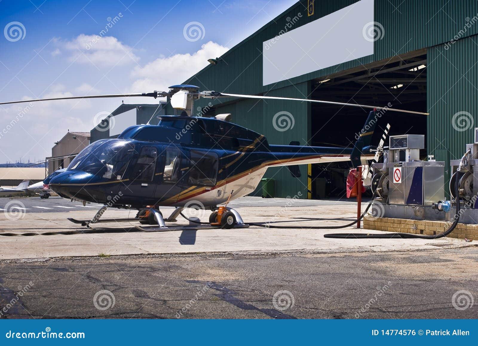 Carburante Elicottero : Elicottero della bell rifornimento di carburante