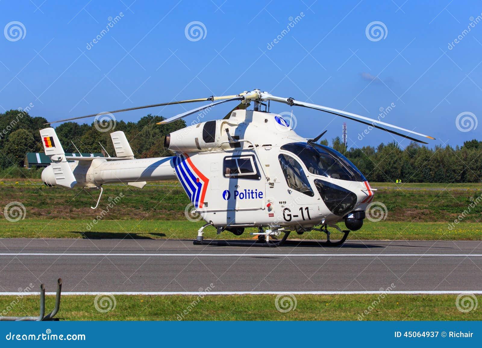 Elicottero 450 : Elicottero di polizia fotografia editoriale. immagine di elicottero