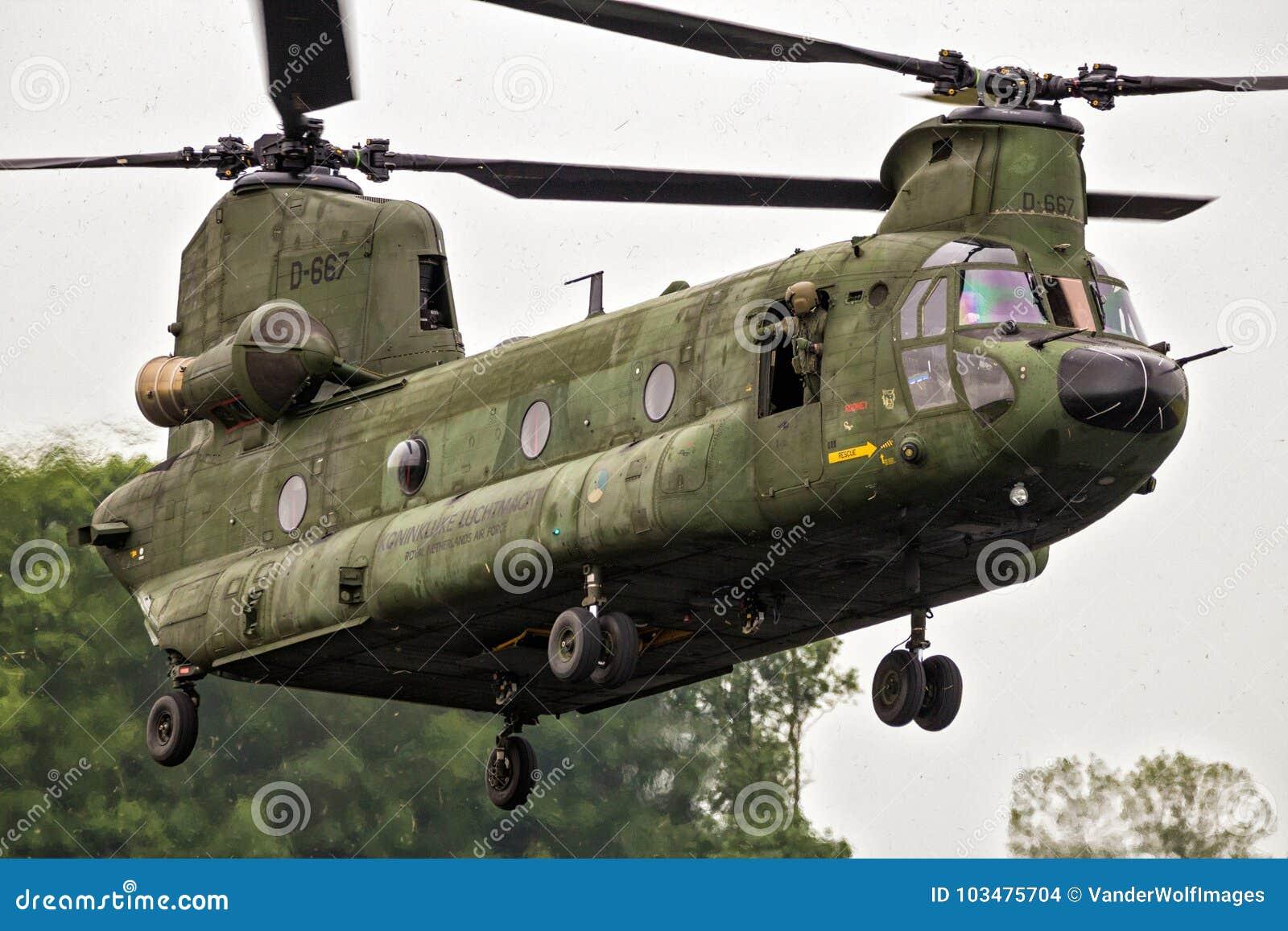 Elicottero Ch : Elicottero di trasporto di boeing ch f chinook immagine stock