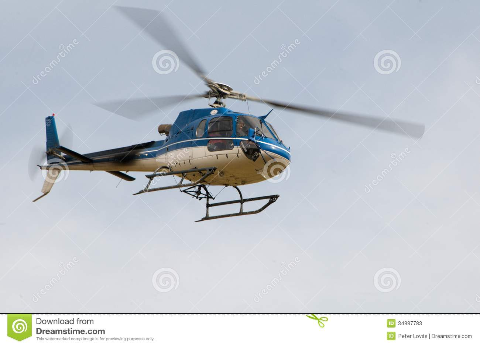 Elicottero B3 : Elicottero ecureuil as b in volo fotografia stock editoriale
