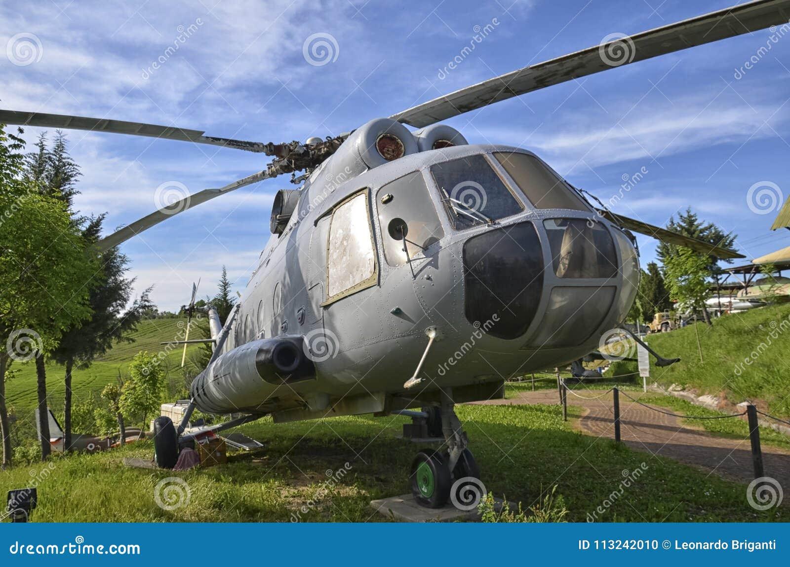 Elicottero 8 : Elicottero pensionato di mil mi fotografia stock immagine di