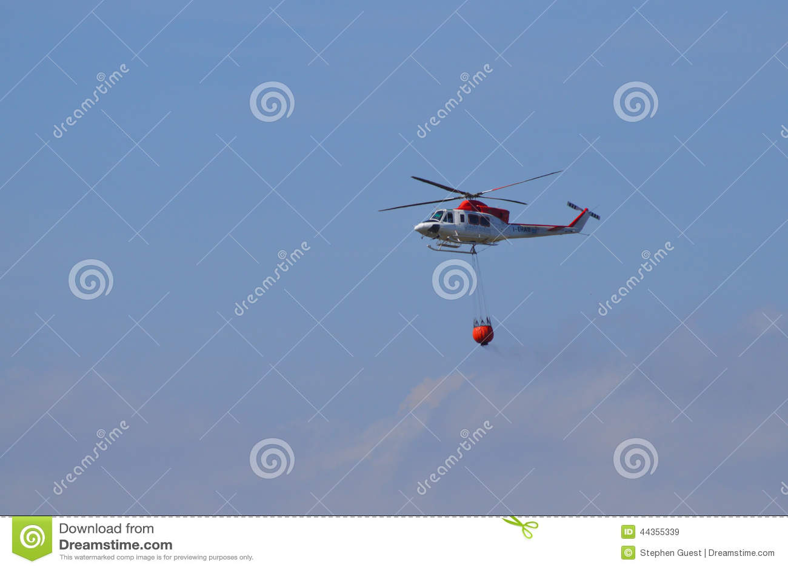 Elicottero sul modo a Forest Fire