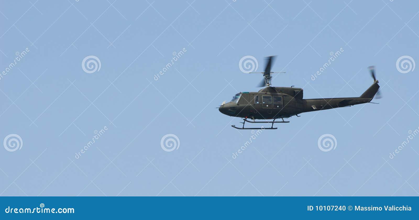Elicottero Verde : Elicottero verde fotografia stock immagine di mobile