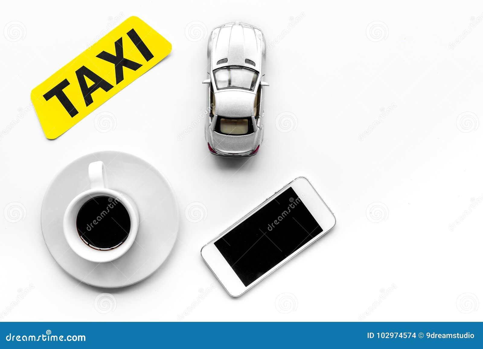 Elija Un Taxi En La Aplicación Móvil Lleve En Taxi La Etiqueta ...