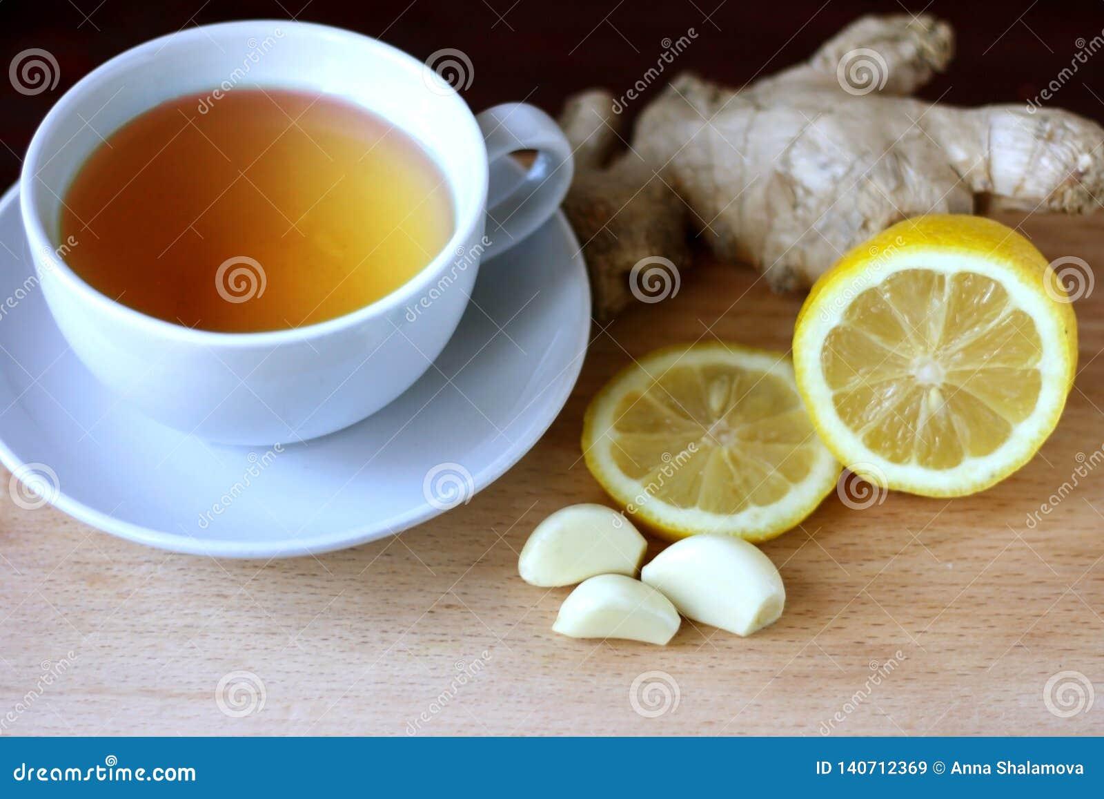 Elixir da saúde do limão, do alho e do gengibre Remédio de Weightloss Meios para limpar embarcações e a normalização da pressão