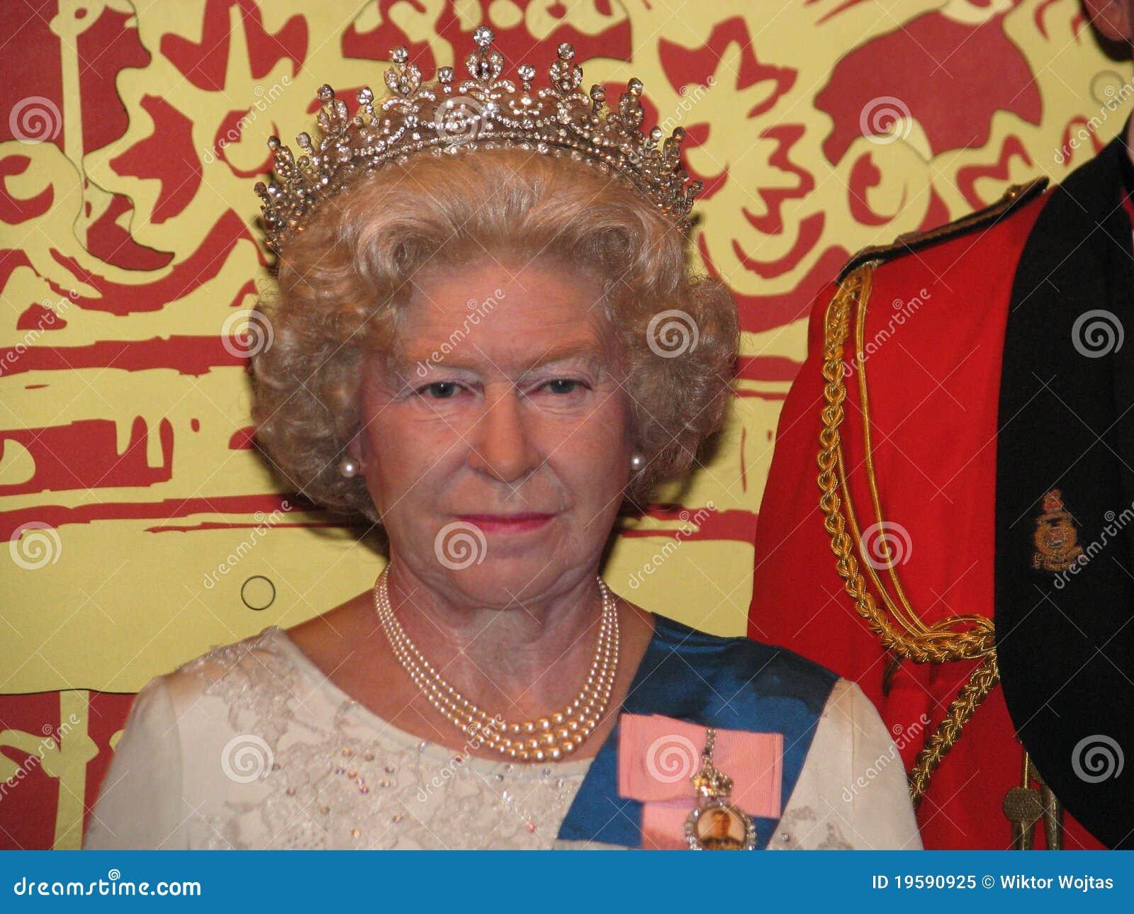 Elizabeth ii królowej statuy wosk