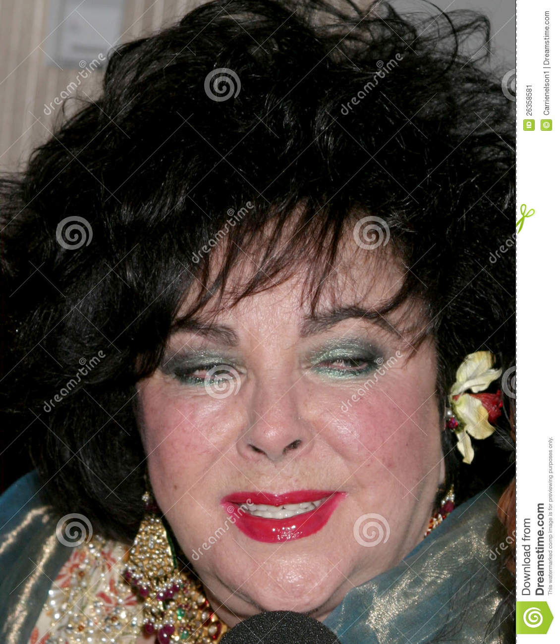 Elizabeth Taylor arriving at the BAFTA LA Brittannia Awards Beverly ...