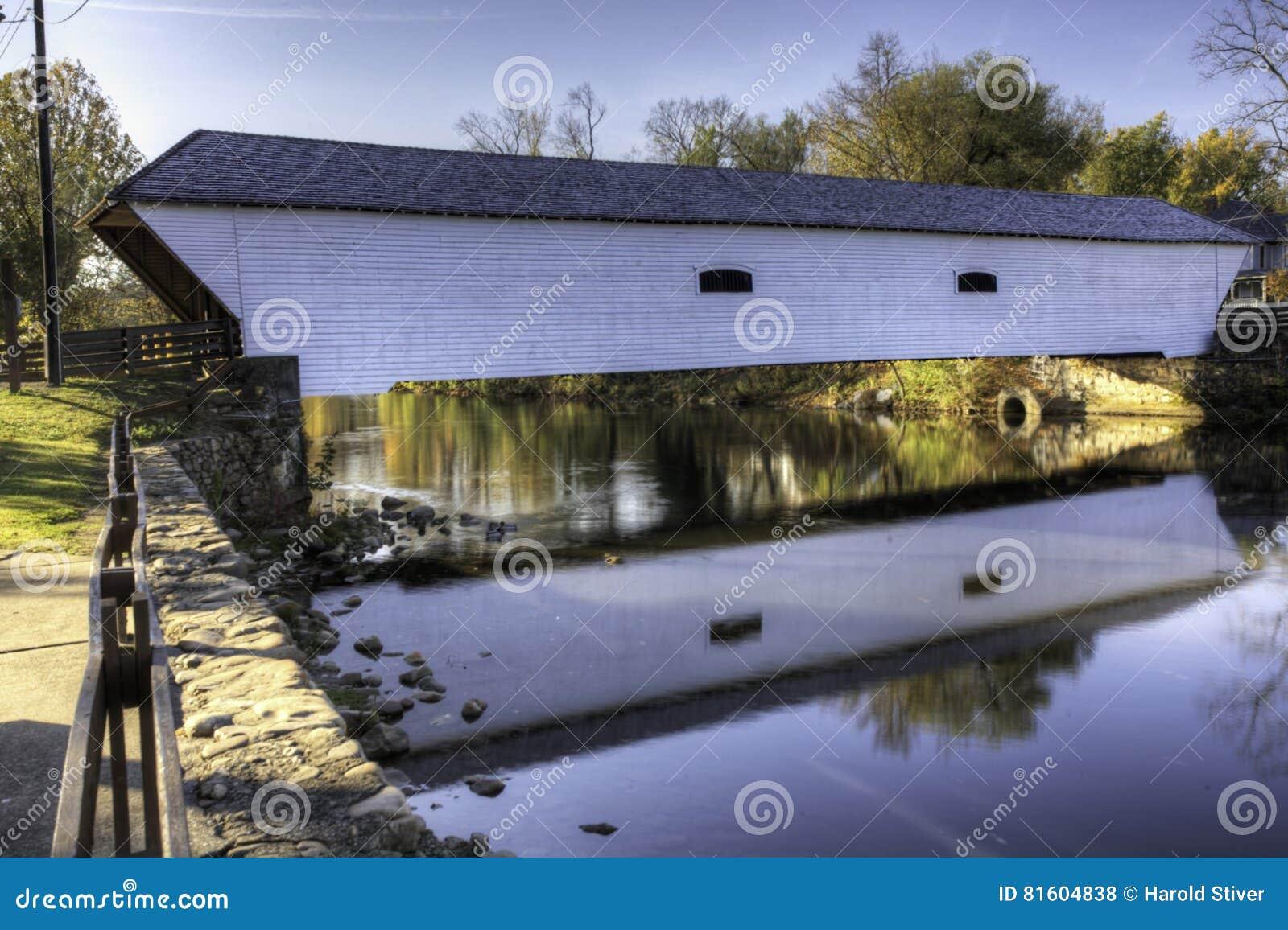 Elizabethton täckte bron i Tennessee