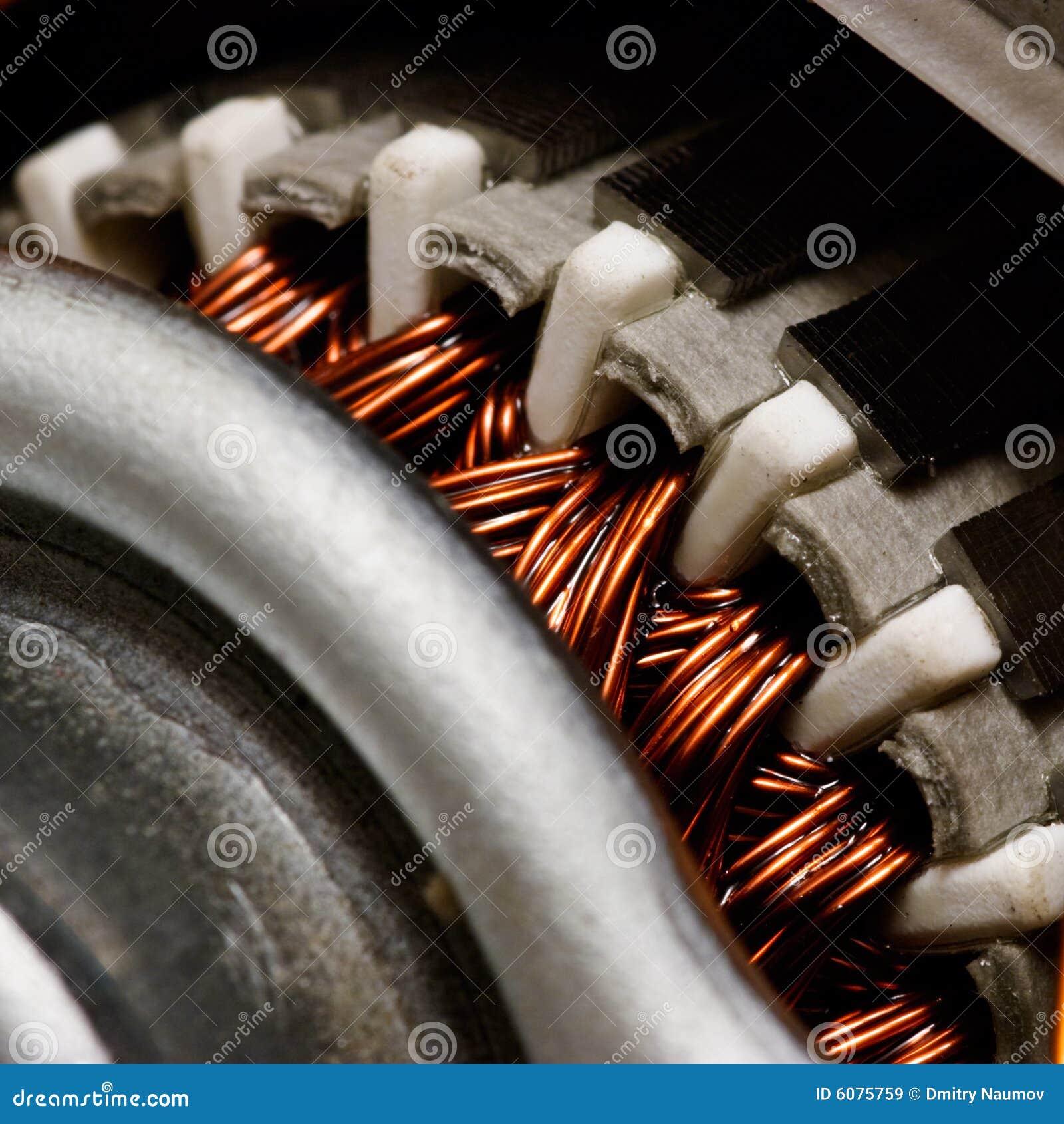 Elkraft inom motorn