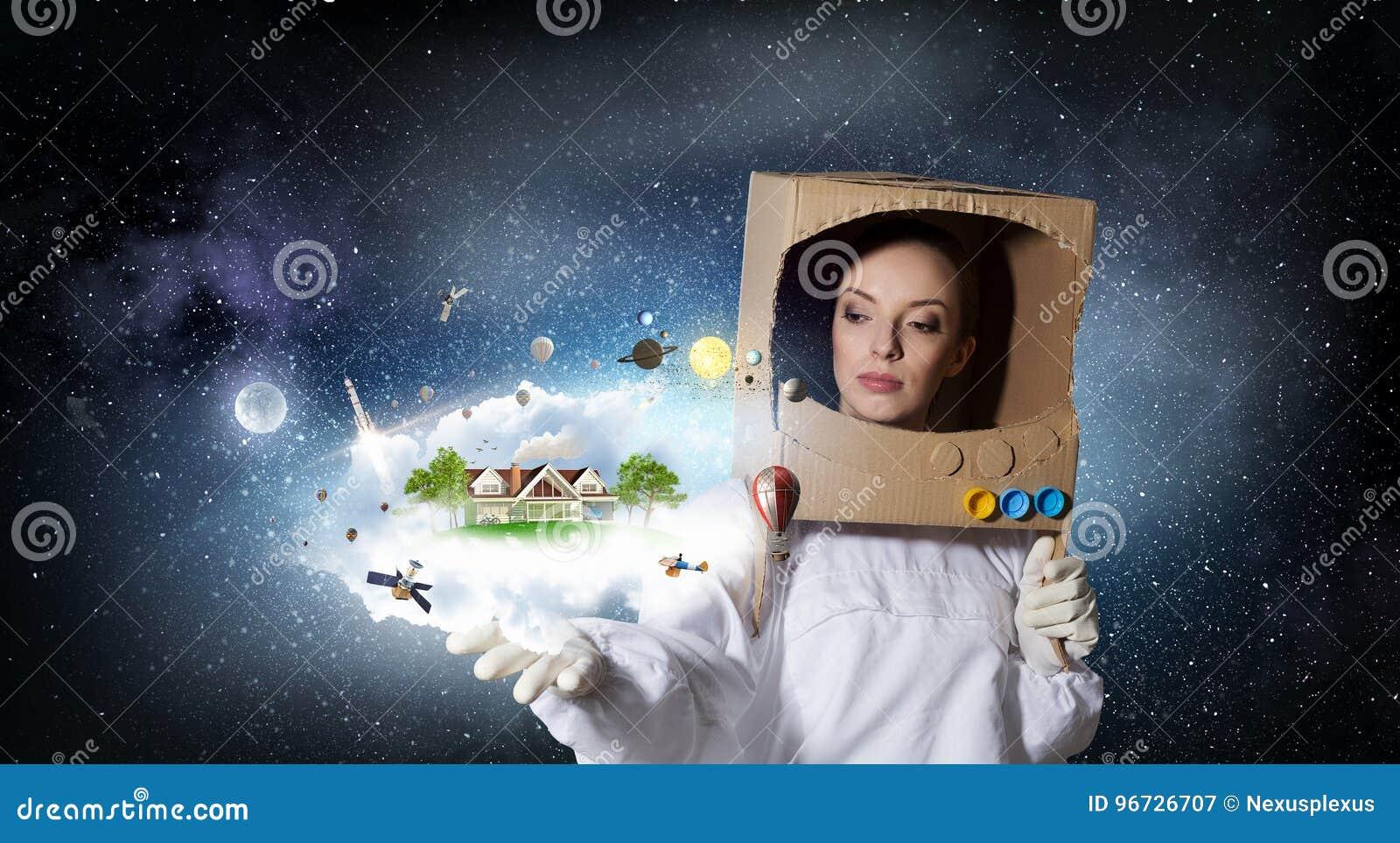9efb5b130673 Ella Sueña Para Explorar El Espacio Imagen de archivo - Imagen de ...