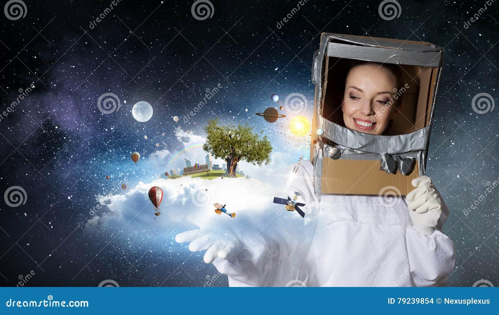 59aa73a9201f Ella Sueña Para Explorar El Espacio Técnicas Mixtas Foto de archivo ...