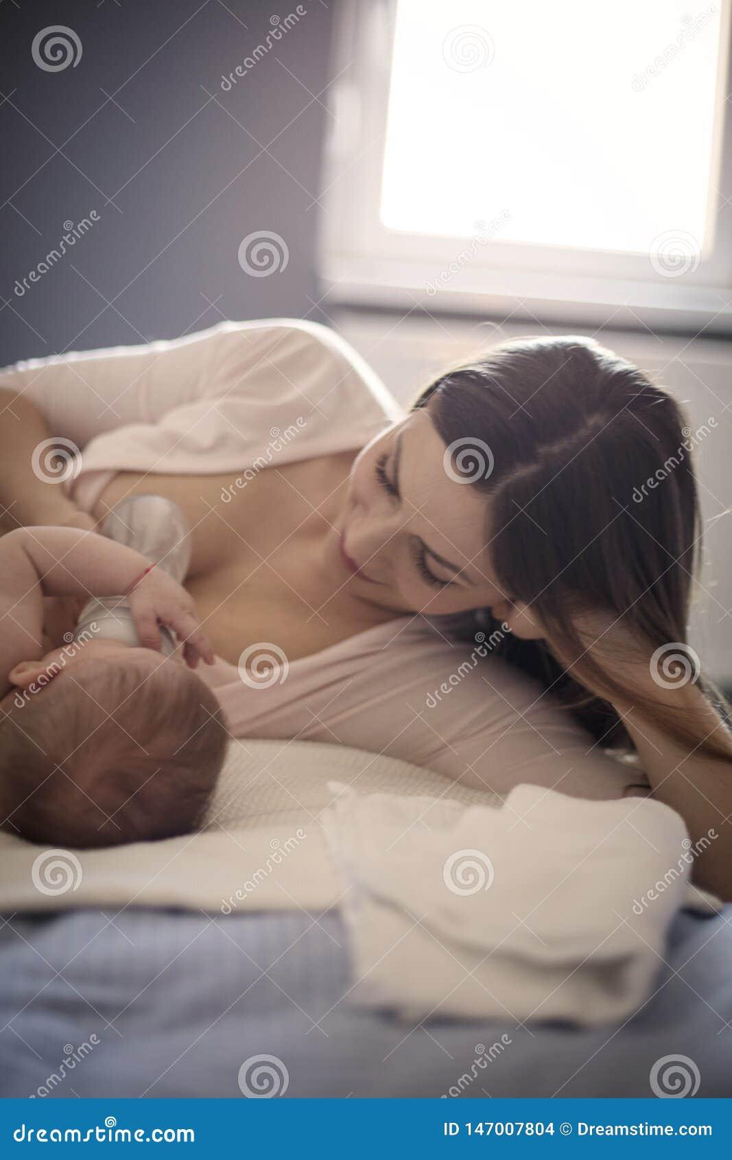 Elle apprécie à chaque moment consacré à son bébé