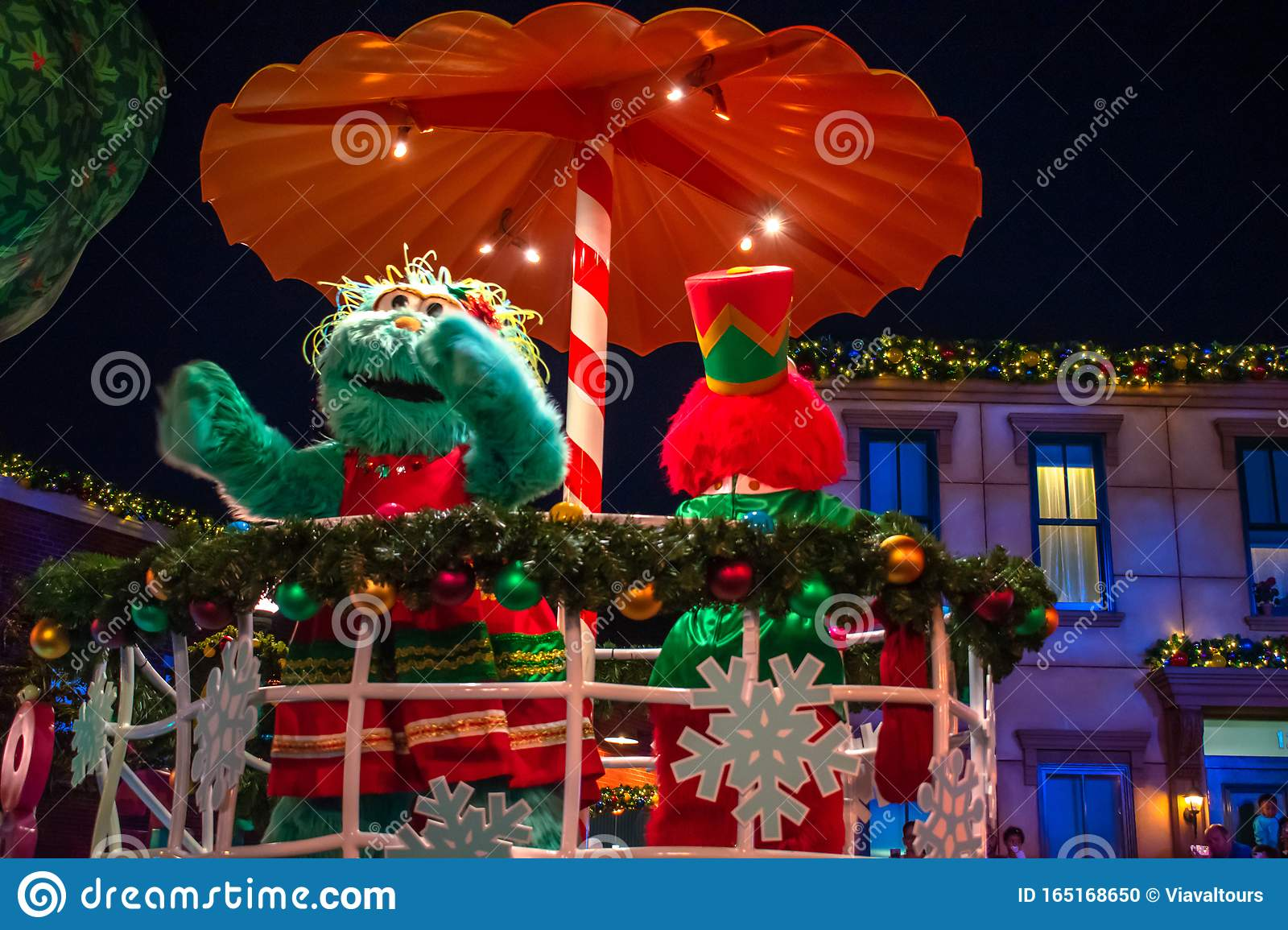 Elmo And Rosita In Sesame Street Christmas Parade At
