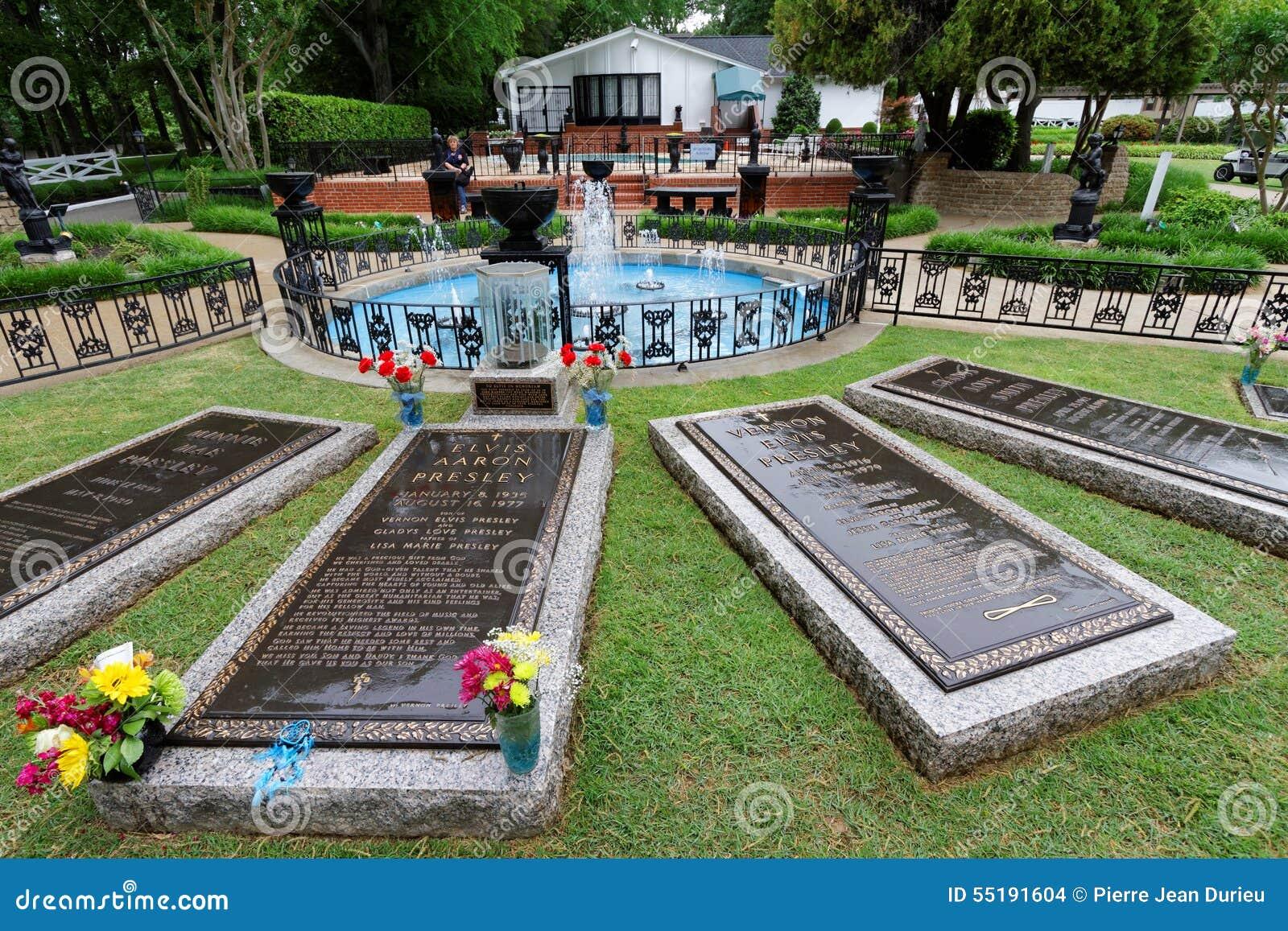 Elvis Presleys Grave Editorial Stock Image Image Of