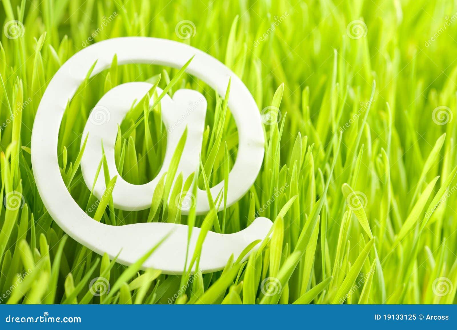 EMail und frisches Gras