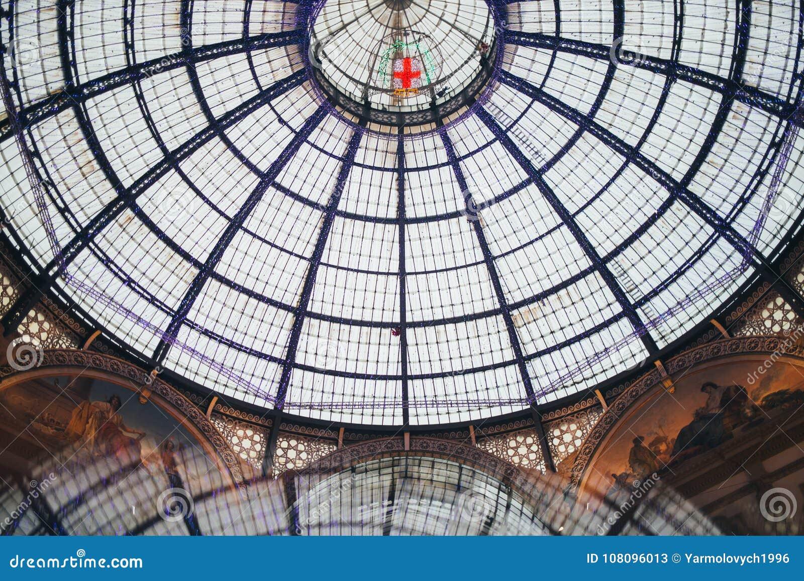 Emanuele galleria ii Milan vittorio Ja ` s jeden światowi ` s zakupy starzy centra handlowe