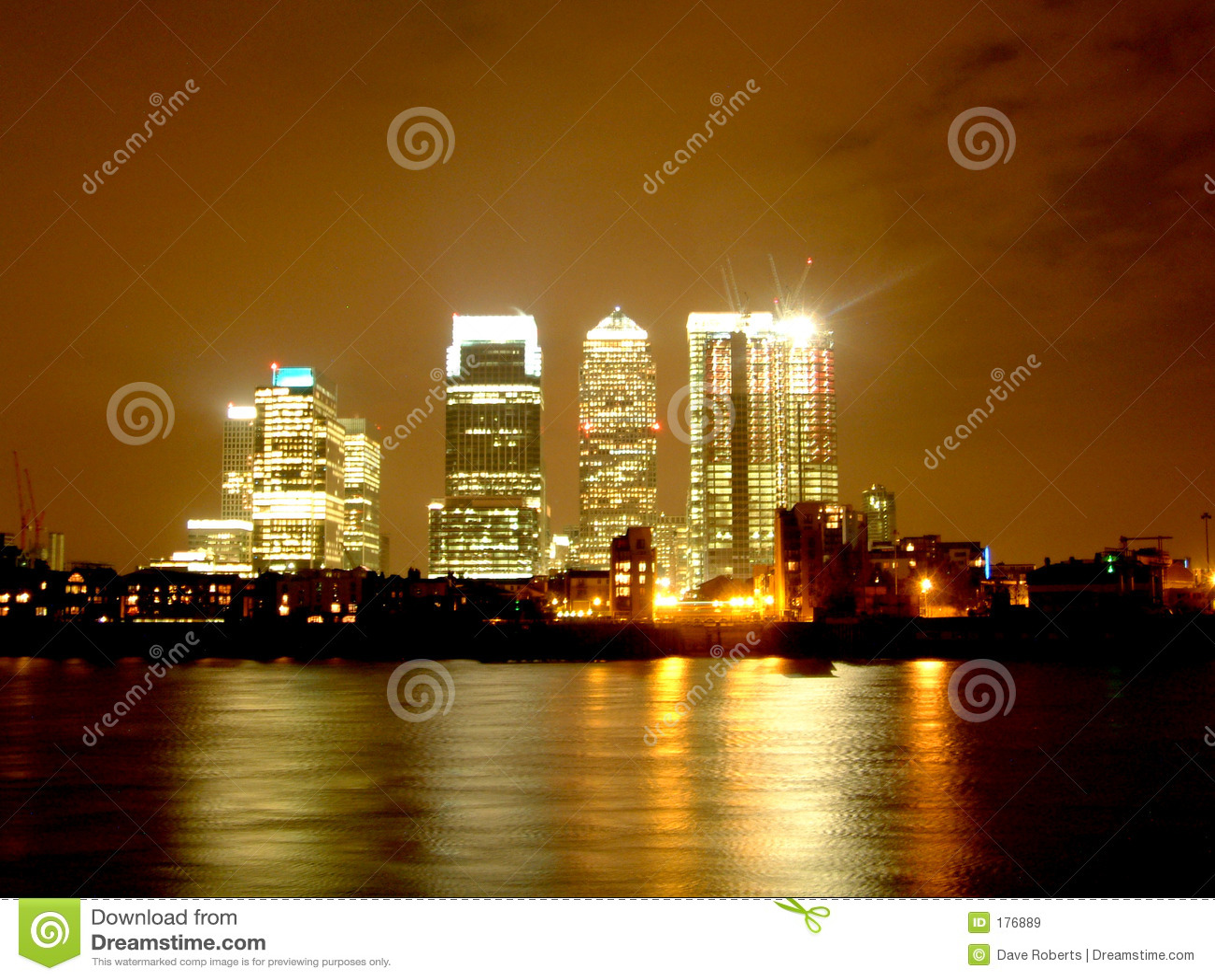Embarcadero amarillo Londres - por Night