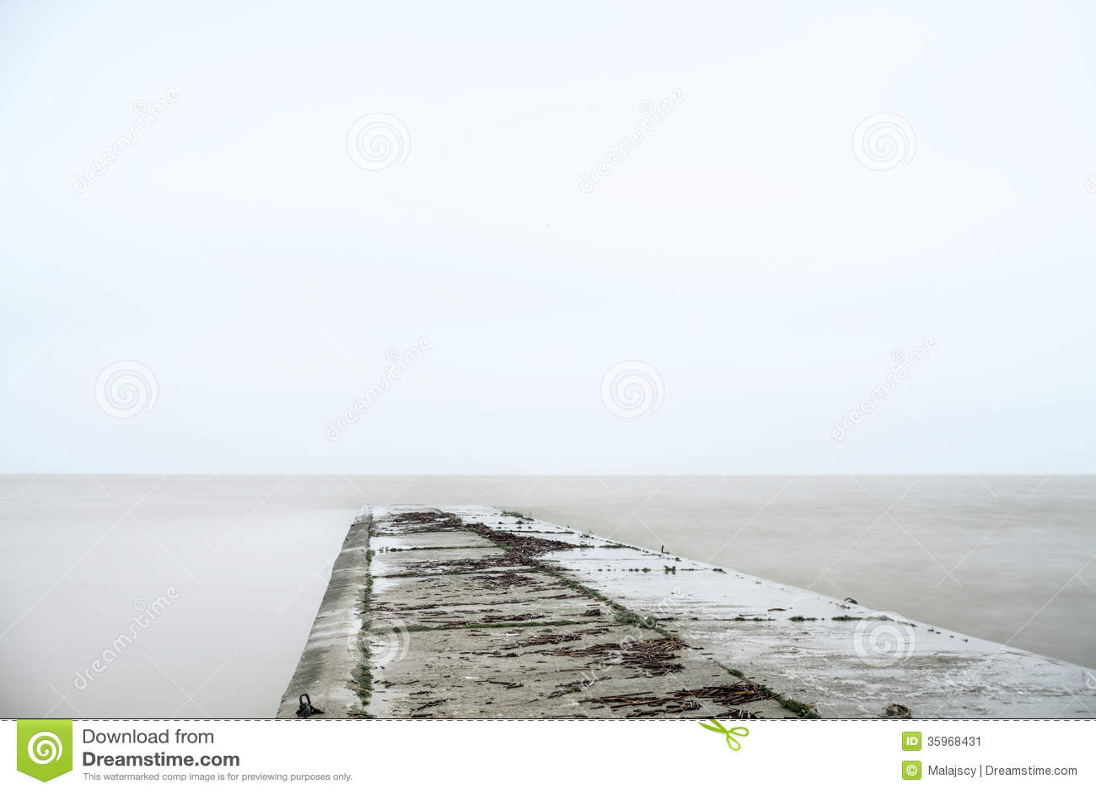 Embarcadero concreto