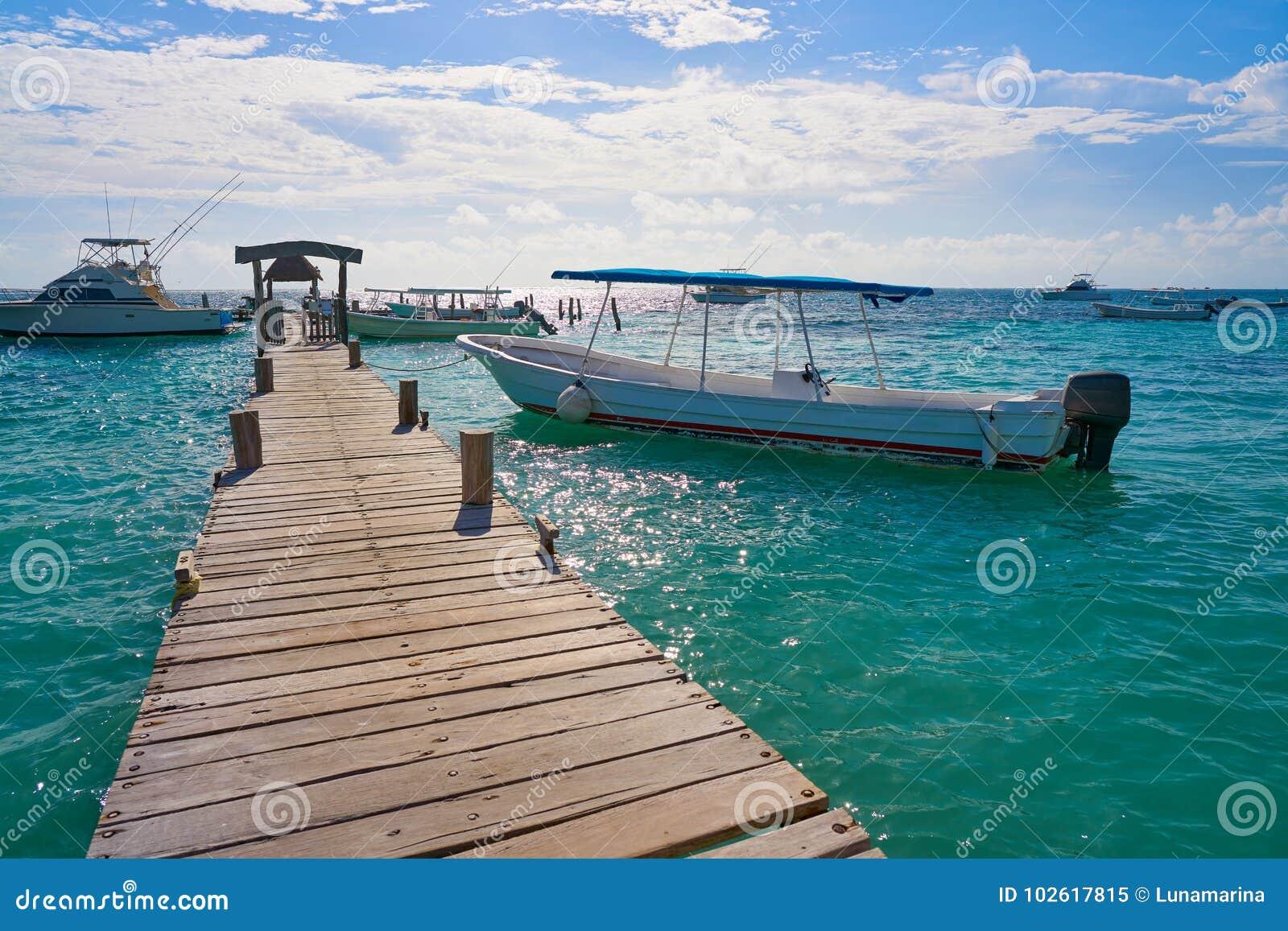 Embarcadero de madera el Caribe México del maya de Riviera