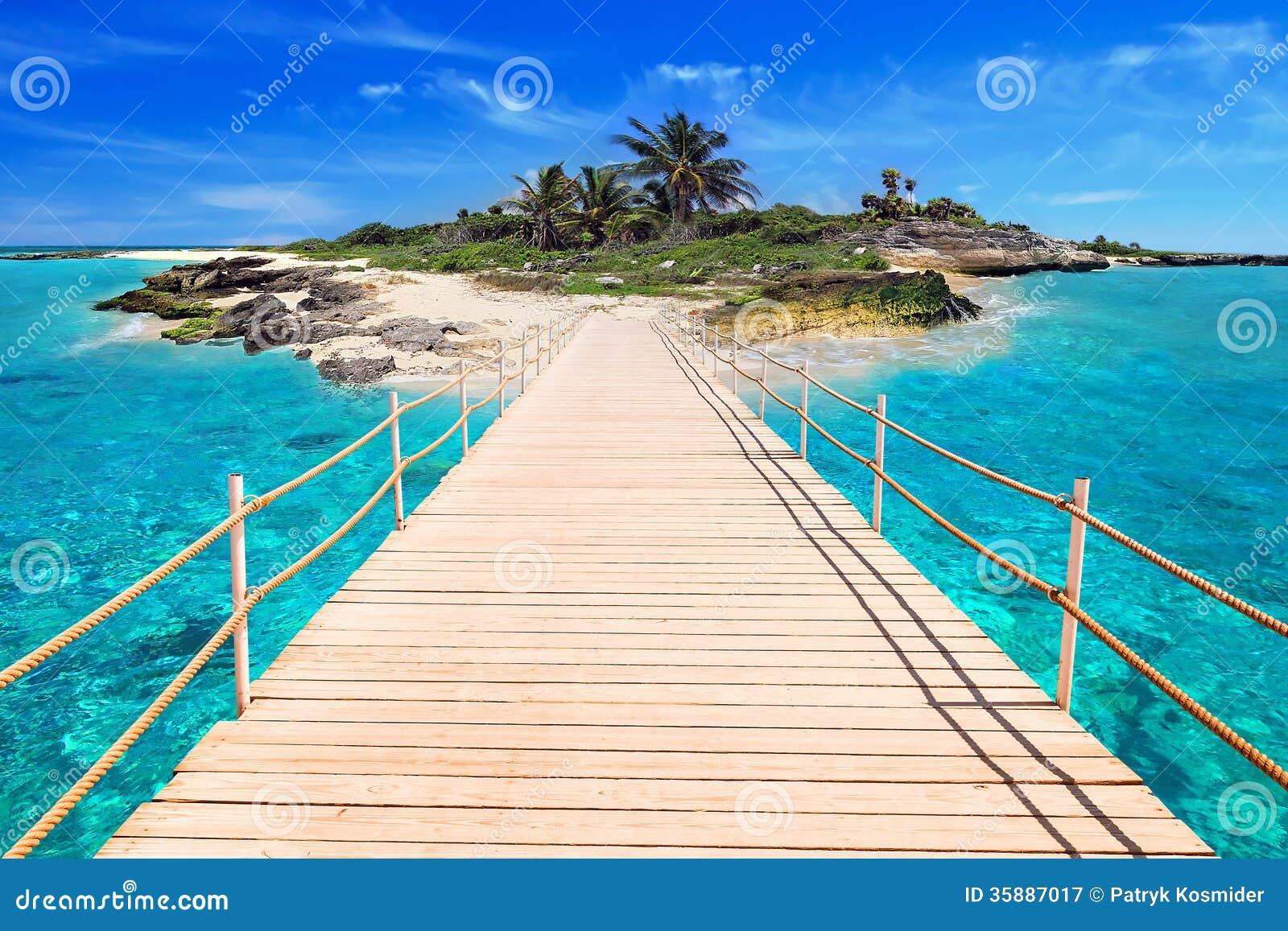 Embarcadero a la isla tropical
