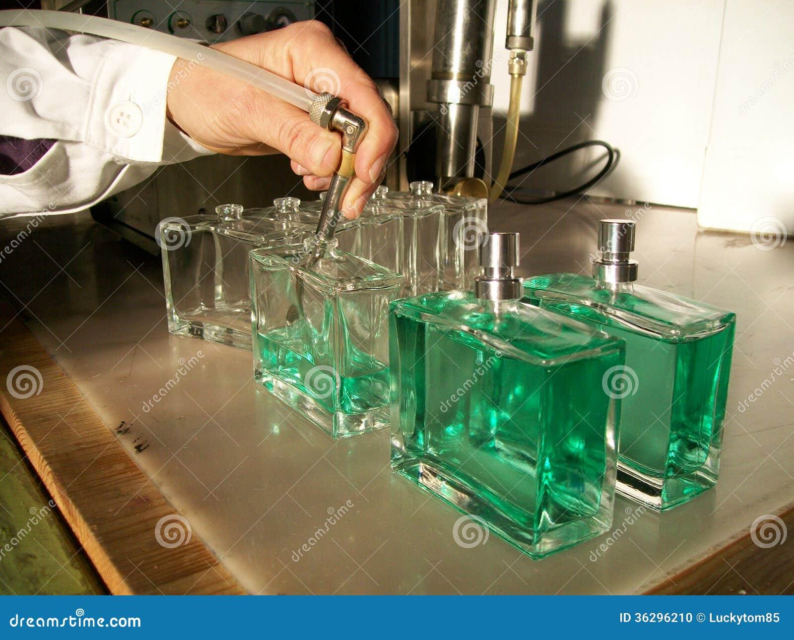 Embotellado del perfume