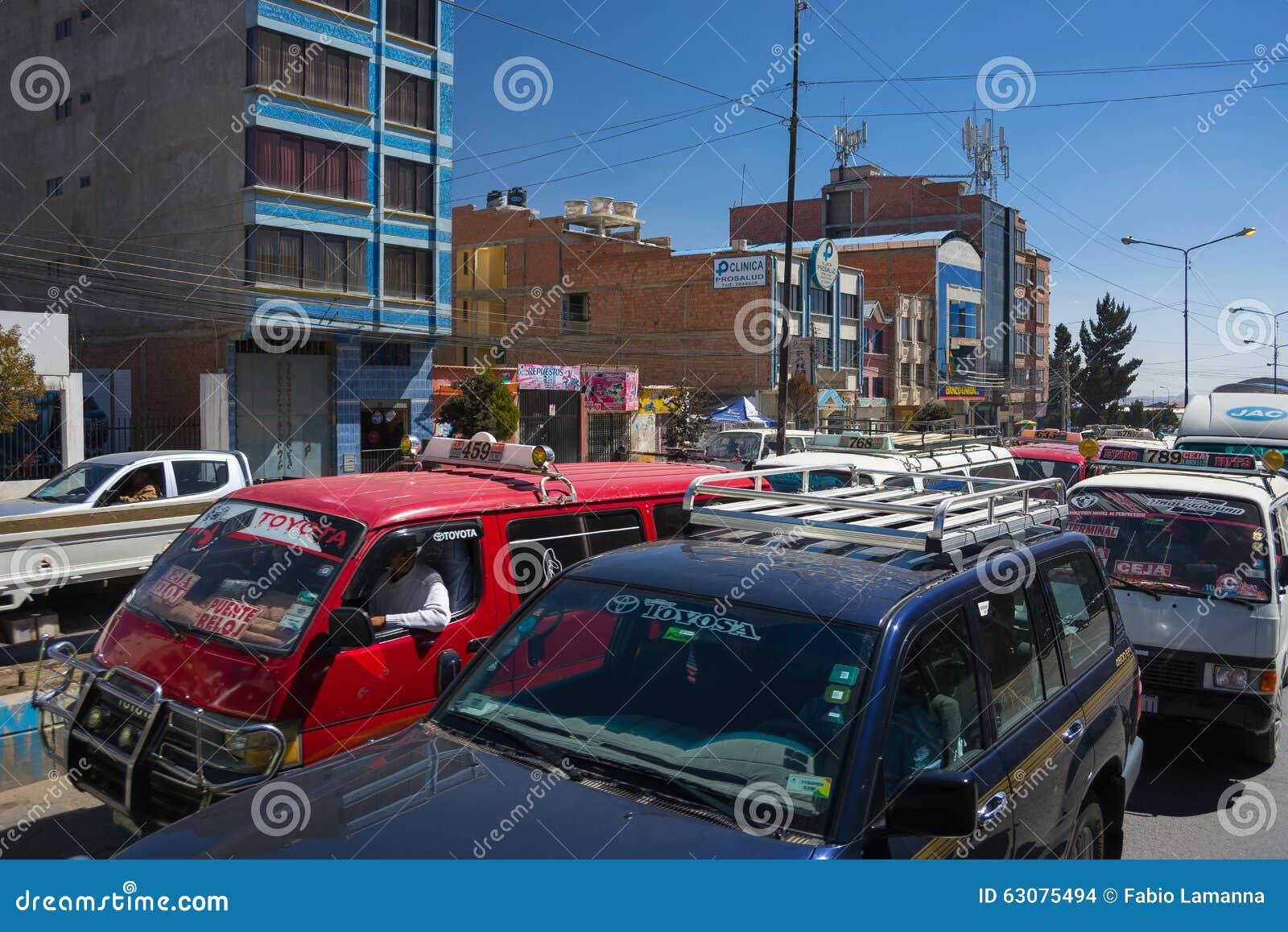 Download Embouteillage Dans Les Rues De La Paz, Bolivie Image stock éditorial - Image du piloter, métropolitain: 63075494