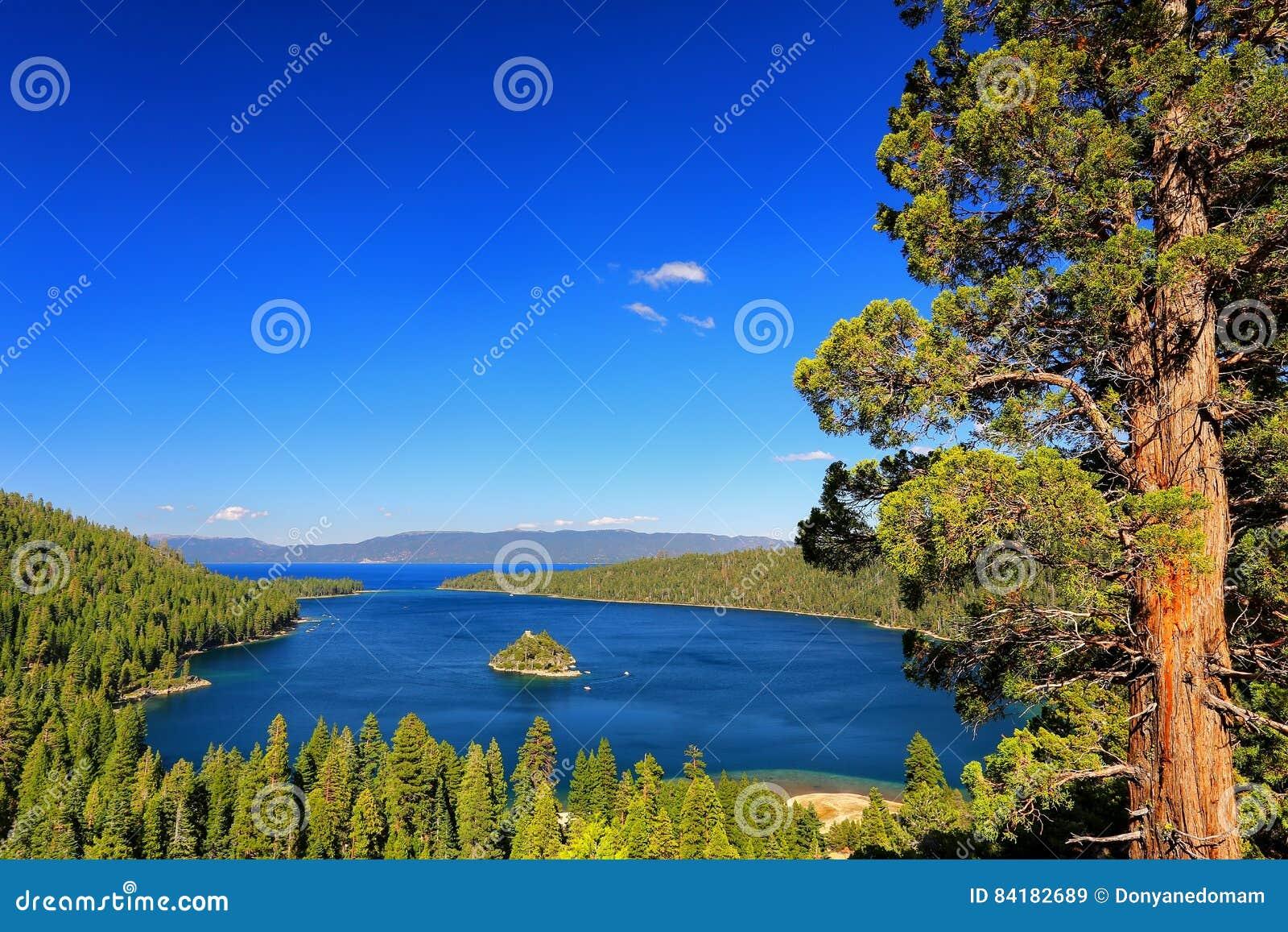 Emerald Bay chez le lac Tahoe avec Fannette Island, la Californie, Etats-Unis