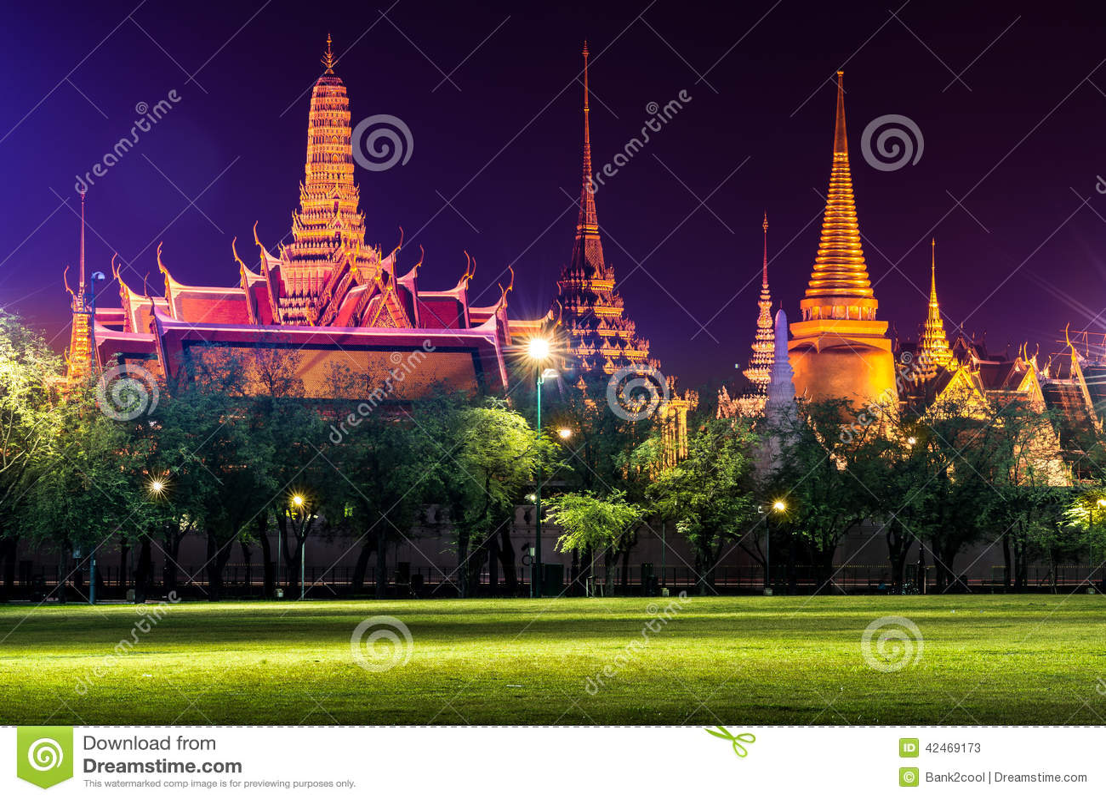 Emerald Buddha Temple (Wat Phra Kaew) nachts