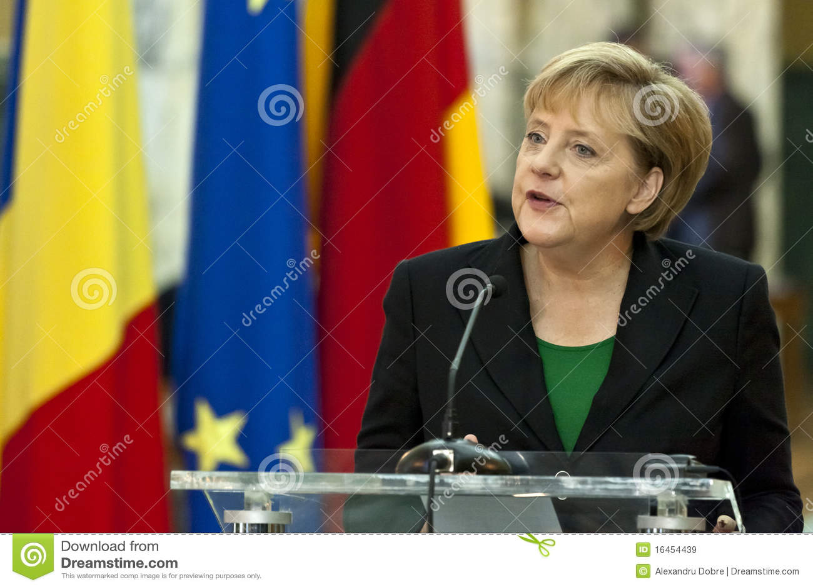 Emilio Boc y Angela Merkel en el palacio de Victoria