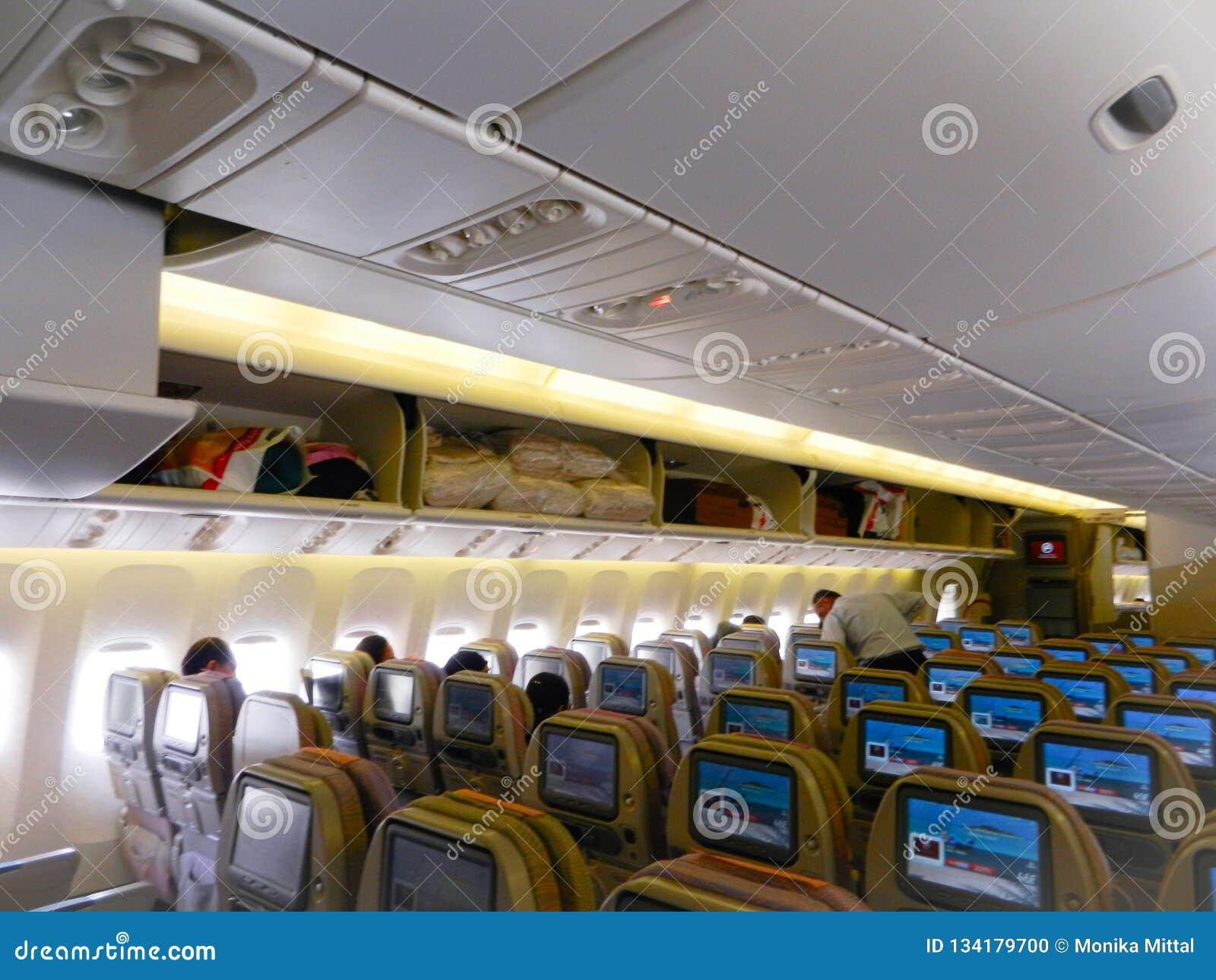 Emiratu lot, Dubai, UAE, 4th 2012 Kwiecień: emiratów siedzenia z wewnątrz