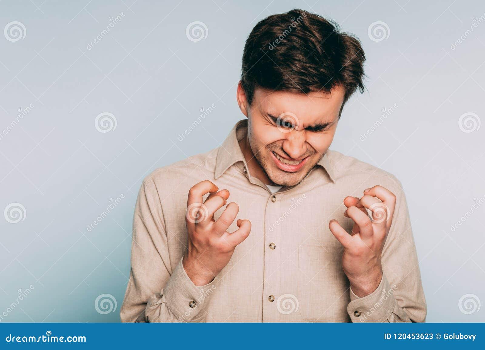 Emoción frenética enfurecida de la furia del hombre de la cólera de la rabia