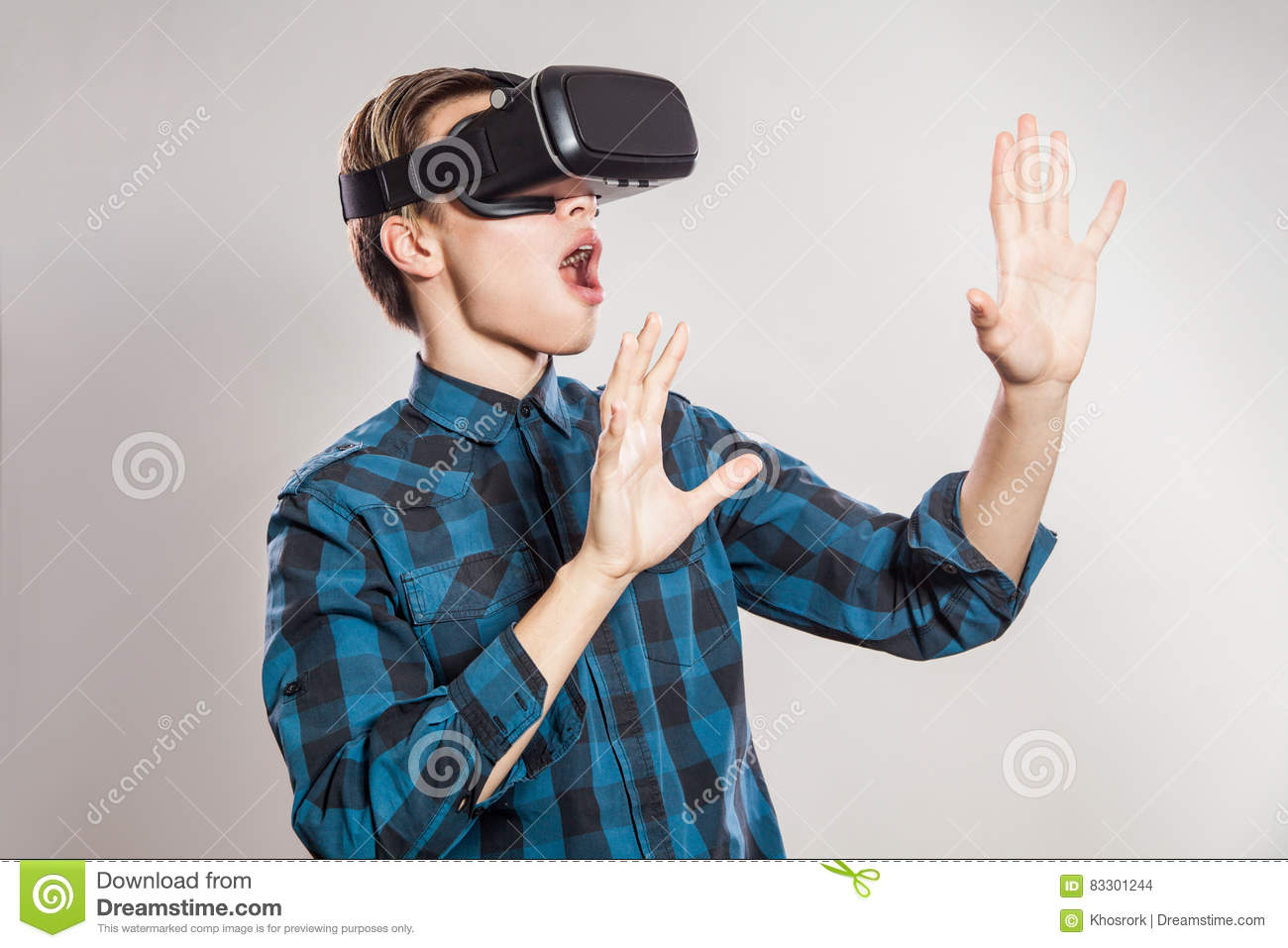 Boy wearing vr goggles pictogram cartoon vector for Virtual suit builder